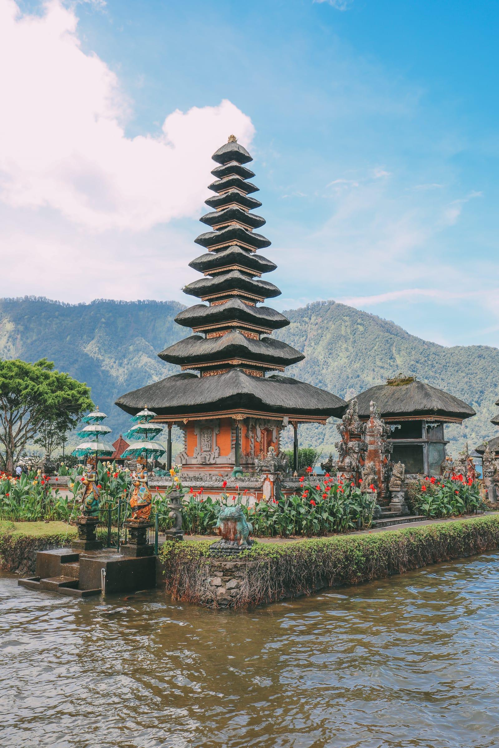 Bali Travel - The Beautiful Nungnung Waterfall And Ulun Danu Bratan Temple (31)