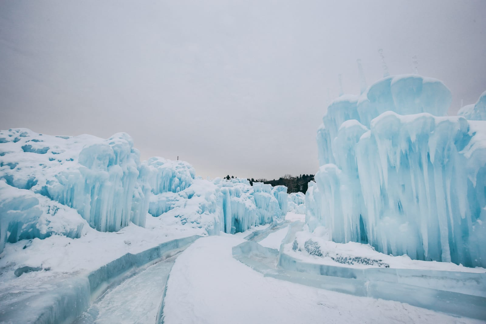 Ice Castle In Alberta, Canada (7)