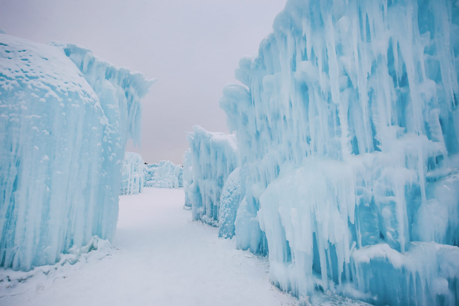 Ice Castle In Alberta, Canada (16)