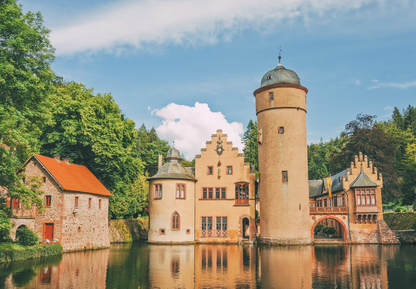 19 Fairytale Castles In Germany You Have To Visit (12)