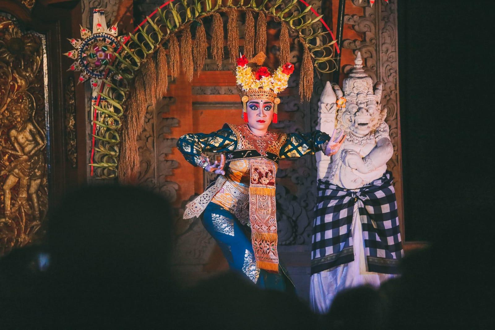 The Amazing Banyumala Twin Waterfalls In The Jungles Of Bali (21)