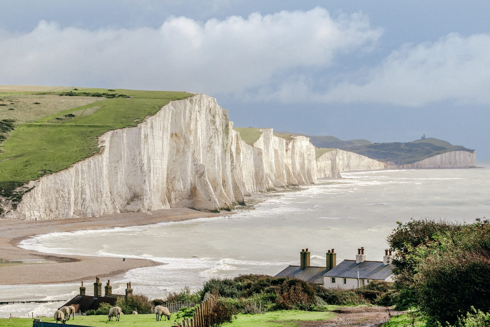 16 Places To Enjoy The Best Seaside Holidays In the UK (1)
