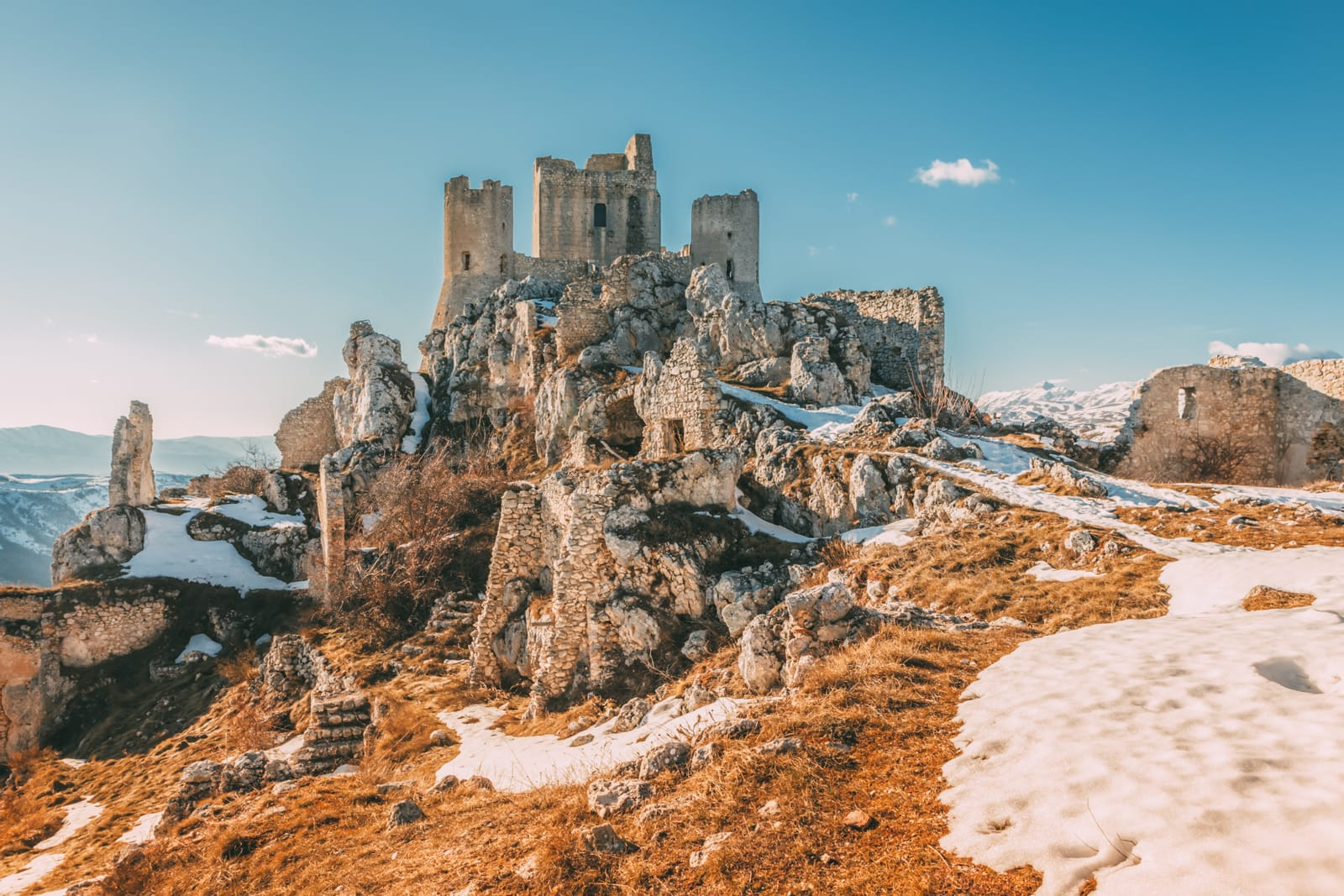 12 Unique Places In Italy That You Need To Visit (5)