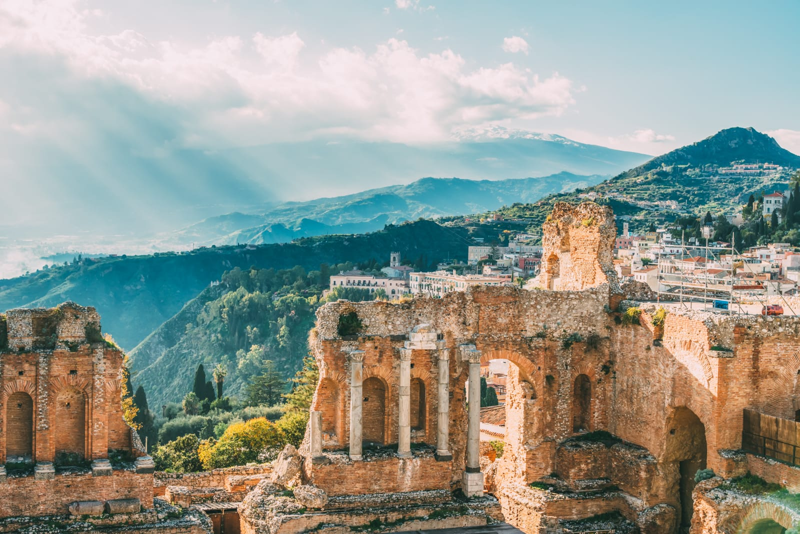 12 Unique Places In Italy That You Need To Visit (4)