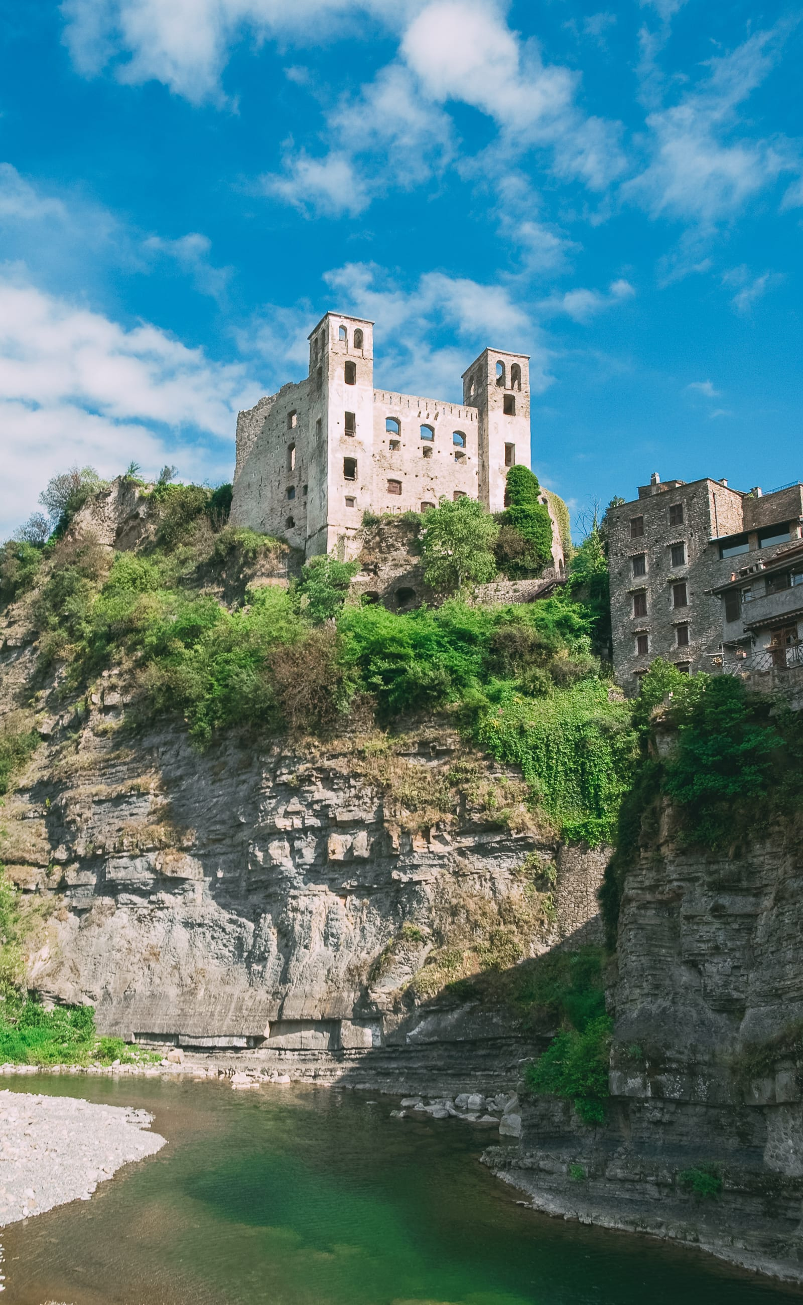 12 Unique Places In Italy That You Need To Visit (10)