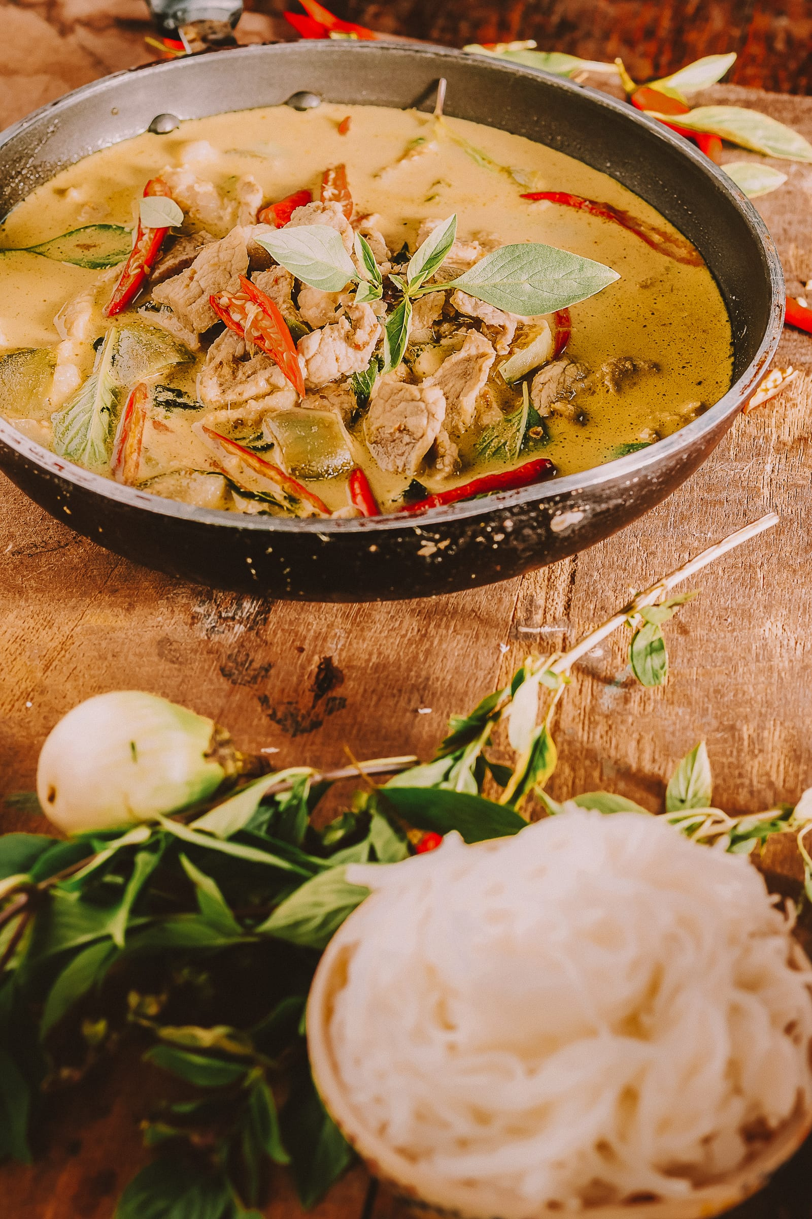 12 Tasty Thai Dishes And Food to Eat When in Thailand (7)