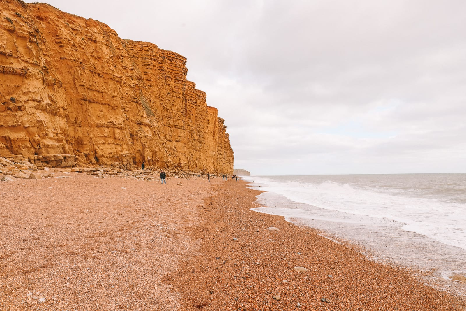 Searching For Dinosaurs And Fossils On The Jurassic Coast Of England (29)