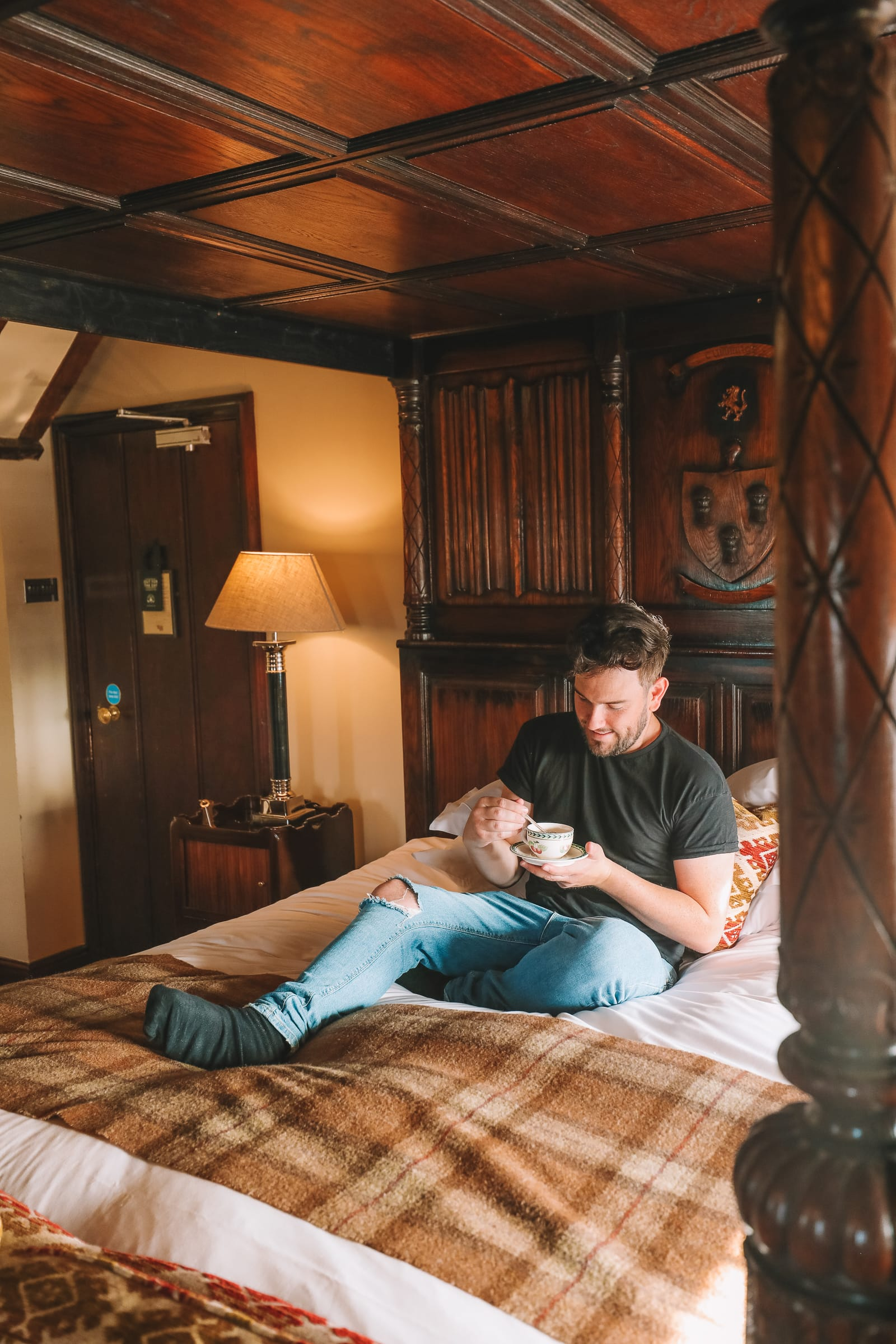 Here's How To Stay In A 1,000 Year Old Castle In England (19)