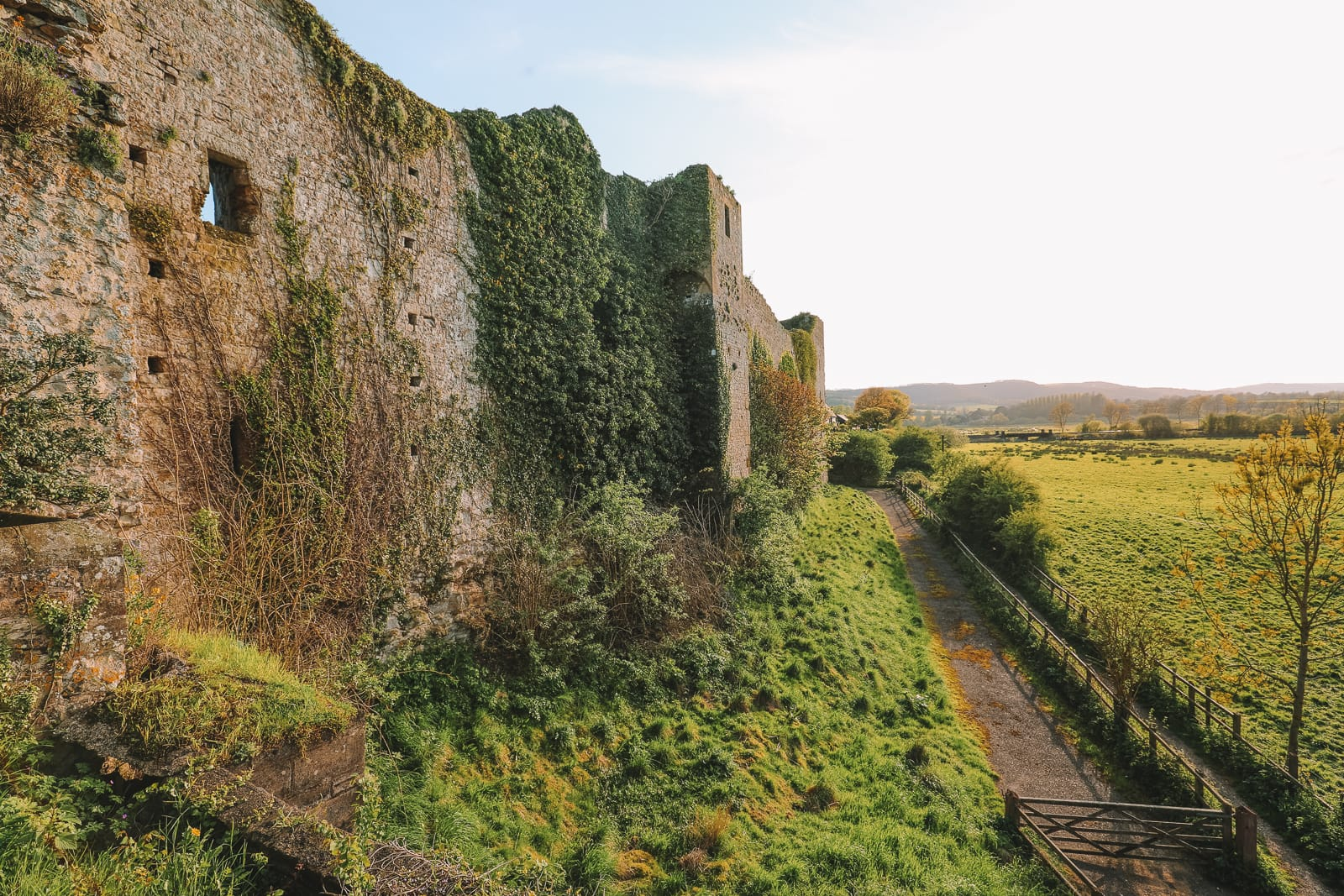 Here's How To Stay In A 1,000 Year Old Castle In England (32)