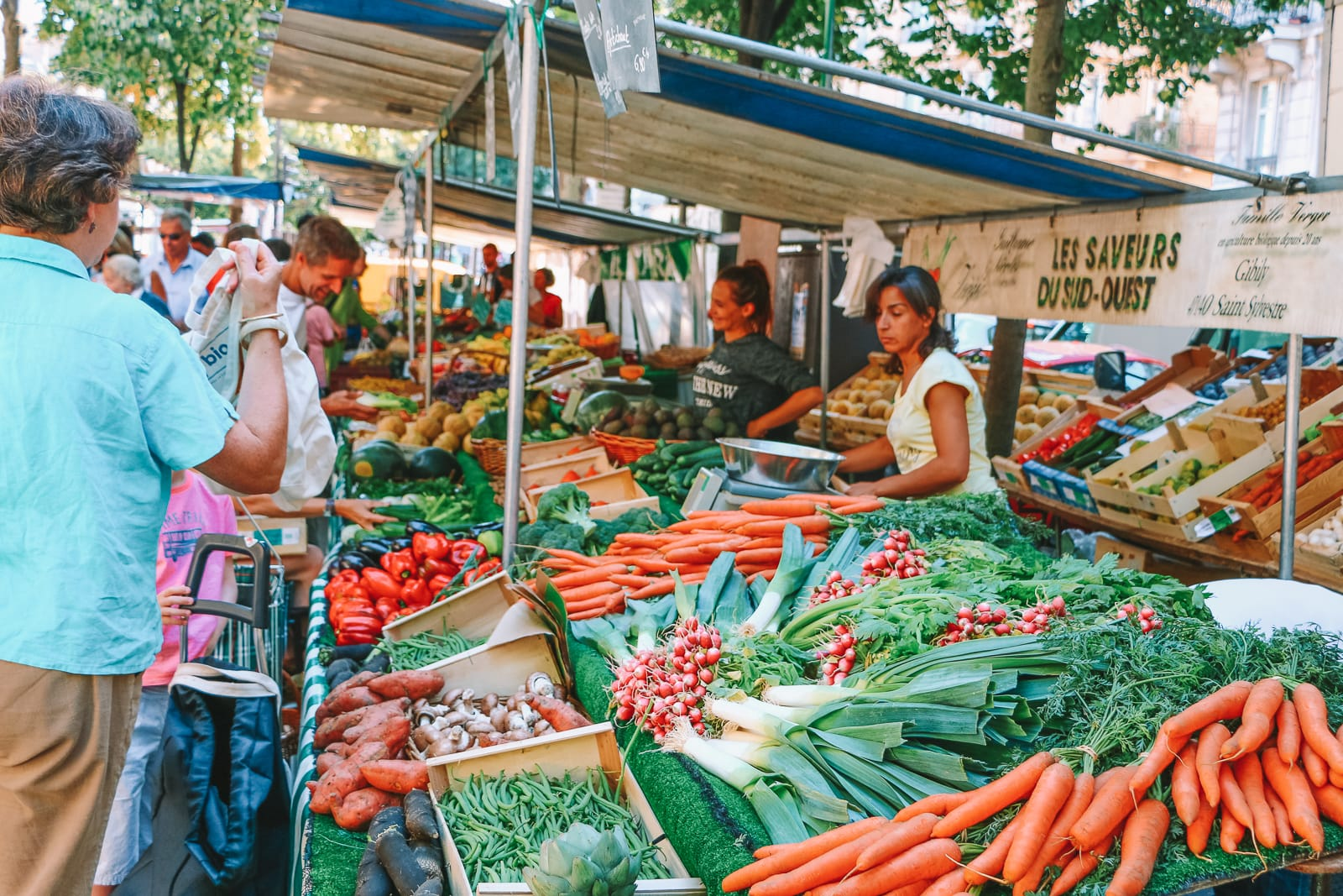 The 12 Best Markets In Paris You Have To Visit (25)