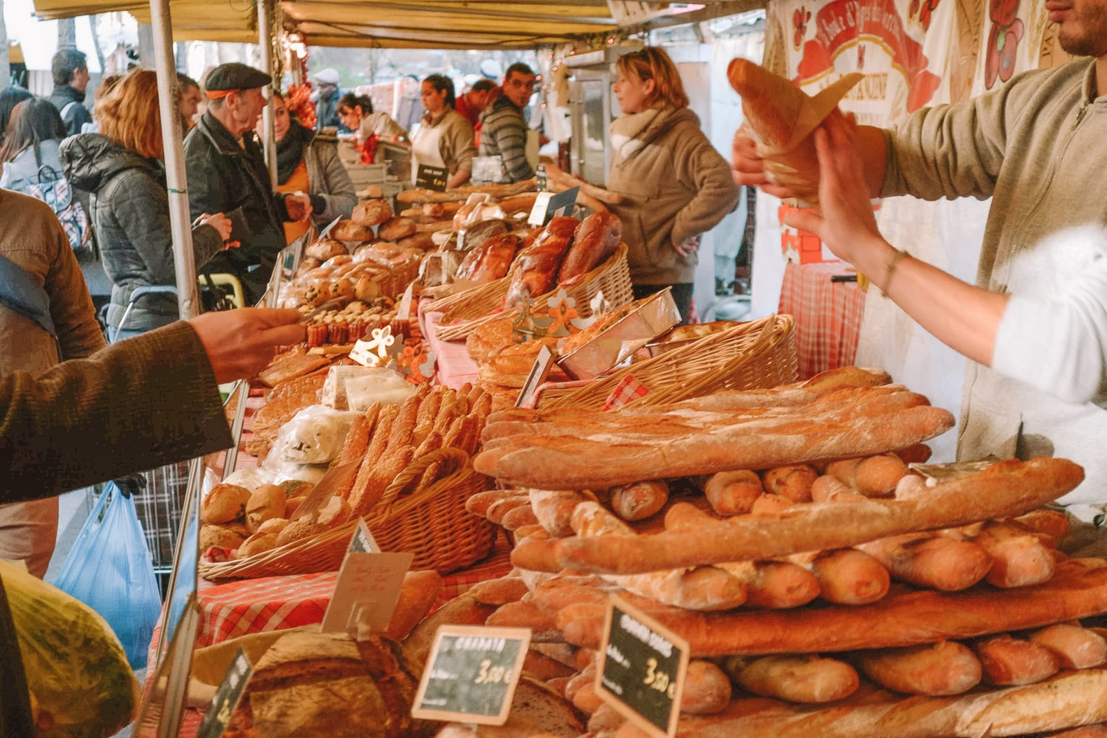 The 12 Best Markets In Paris You Have To Visit (16)