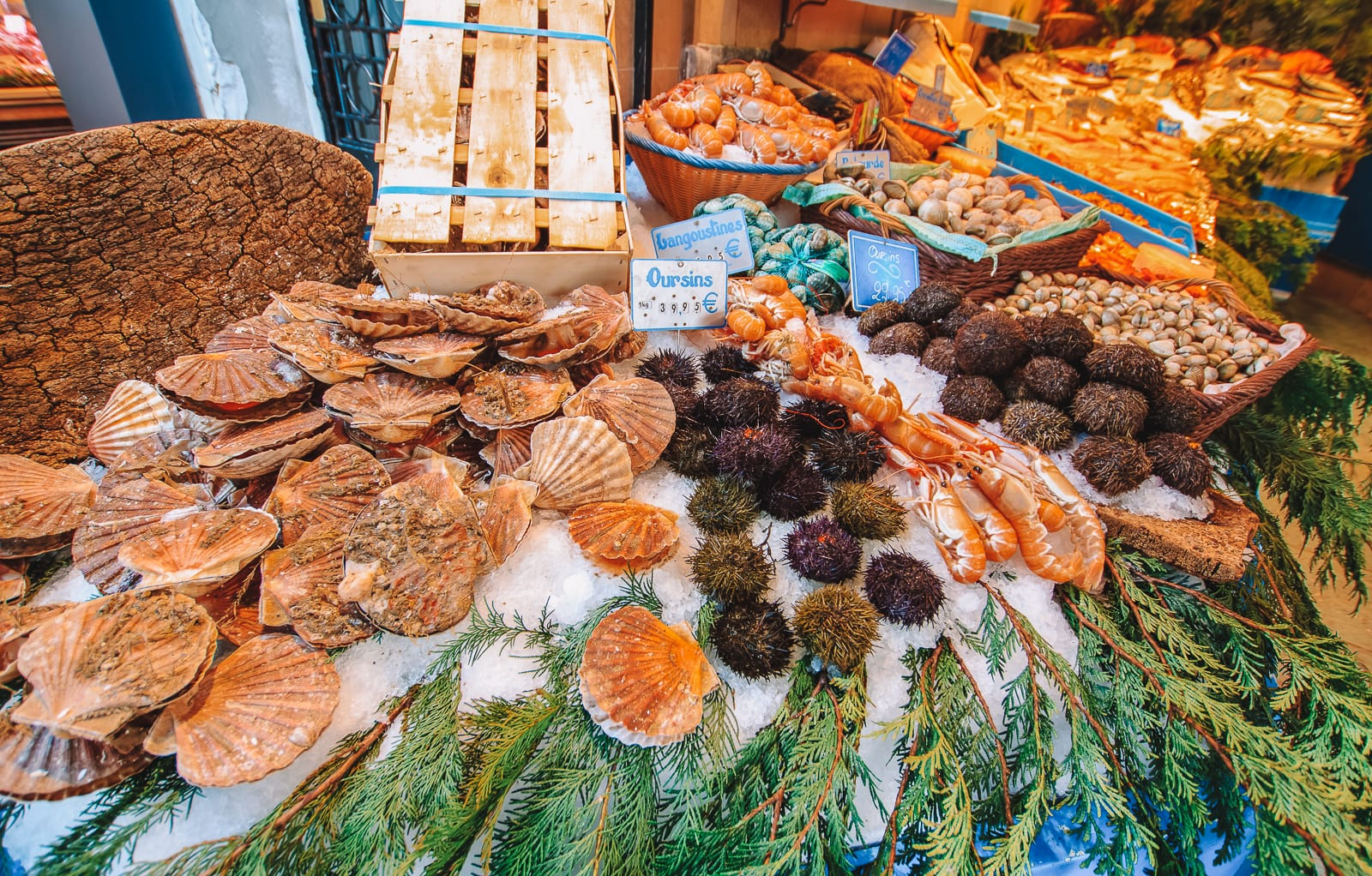The 12 Best Markets In Paris You Have To Visit (10)