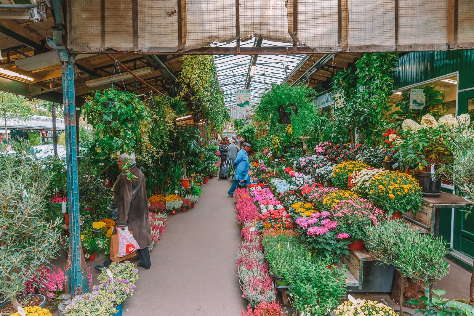 The 12 Best Markets In Paris You Have To Visit (19)