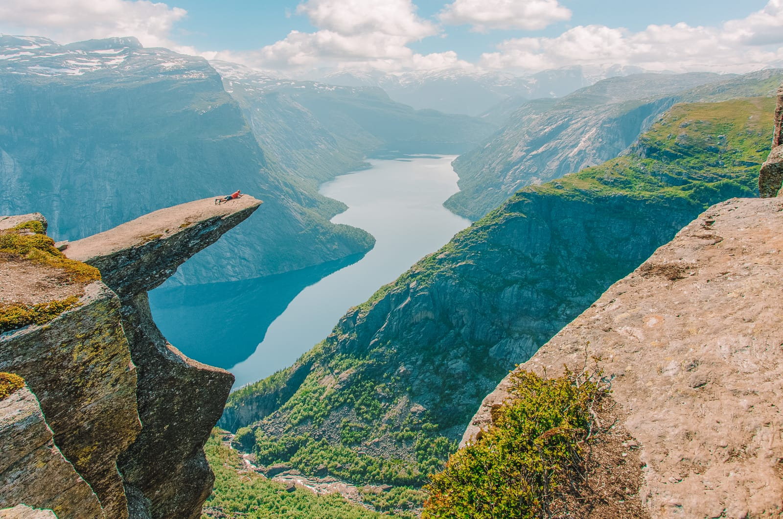 The 14 Best Hikes In Norway You Have To Experience (3)