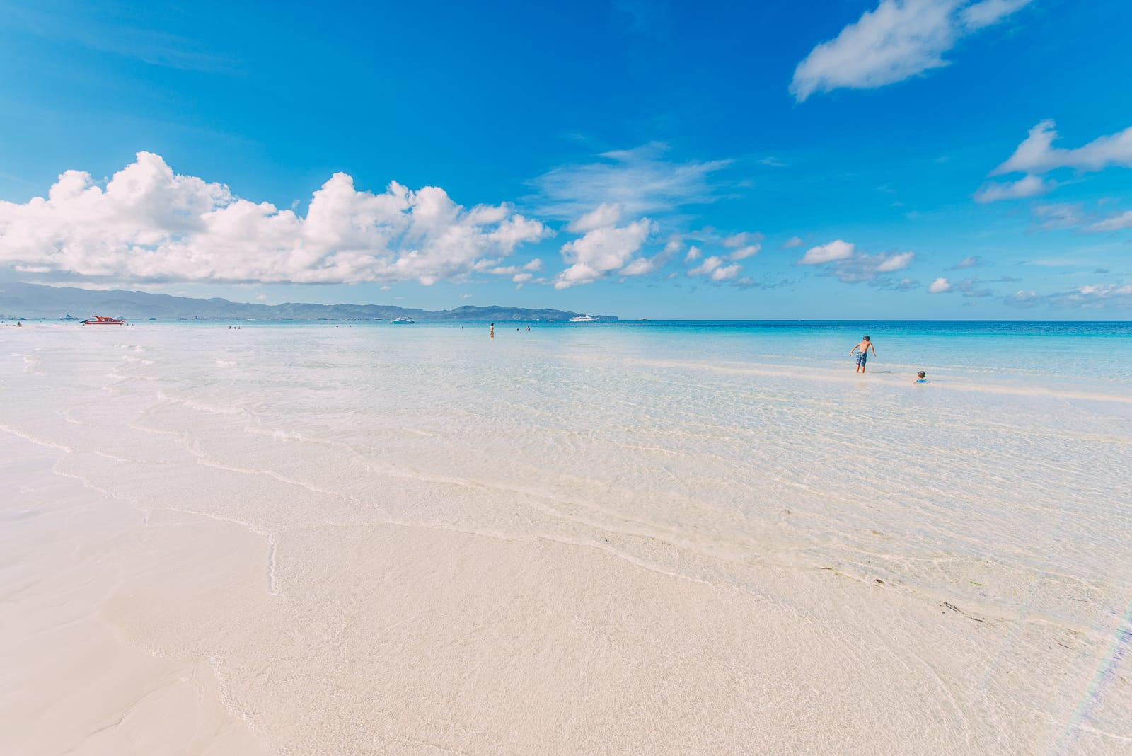 The 8 Best Beaches In The Philippines You Have To Visit (5)