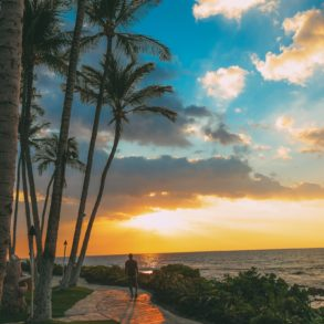 An Amazing View From Maui To The Big Island of Hawaii (19)