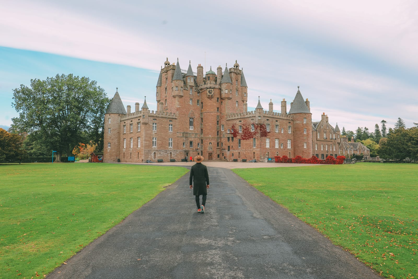 Discovering Two Scottish Gems - The V&A Dundee And The Magnificent Glamis Castle (25)