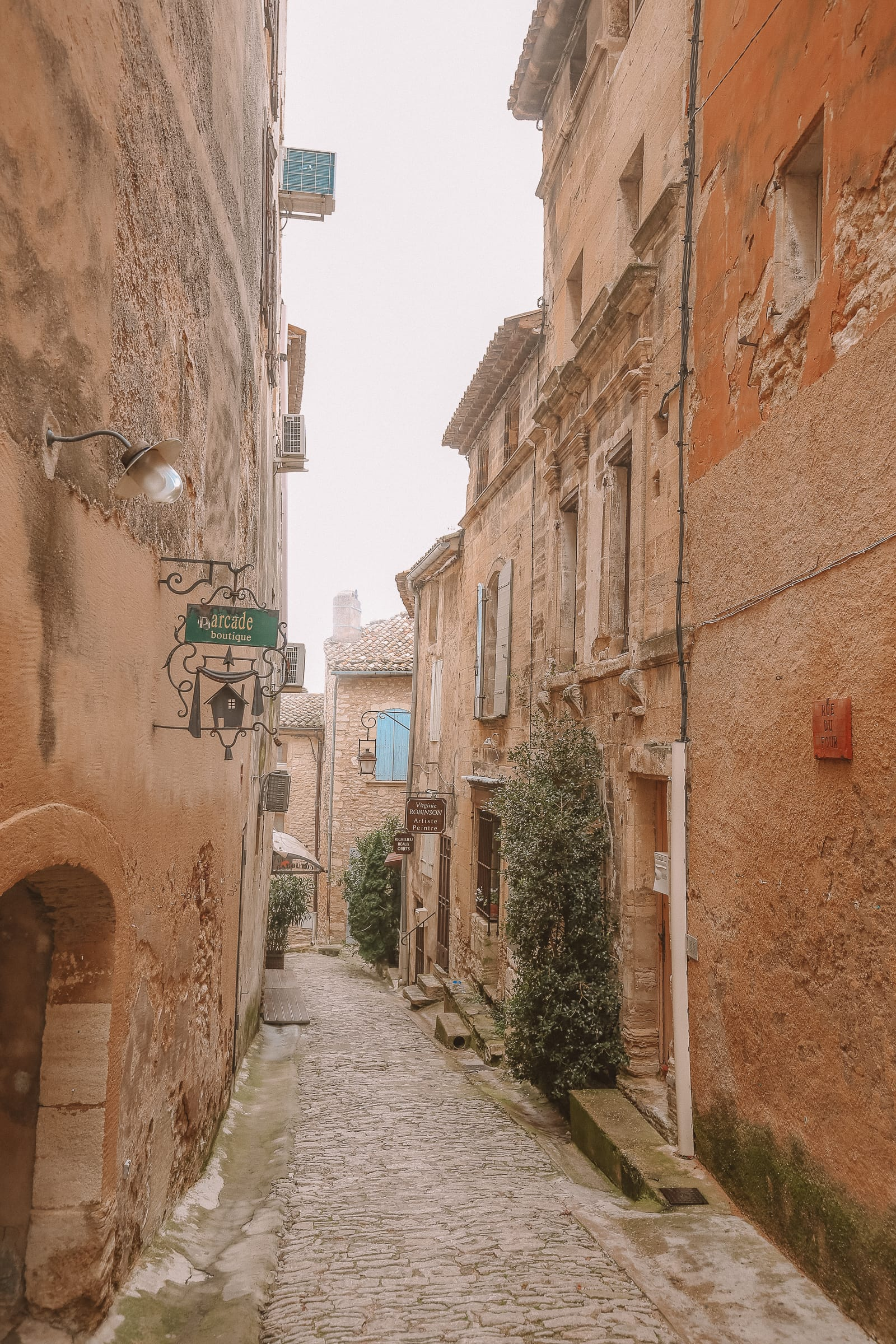 The Absolutely Beautiful Villages Of Gordes and Roussillon In Provence, The South Of France
