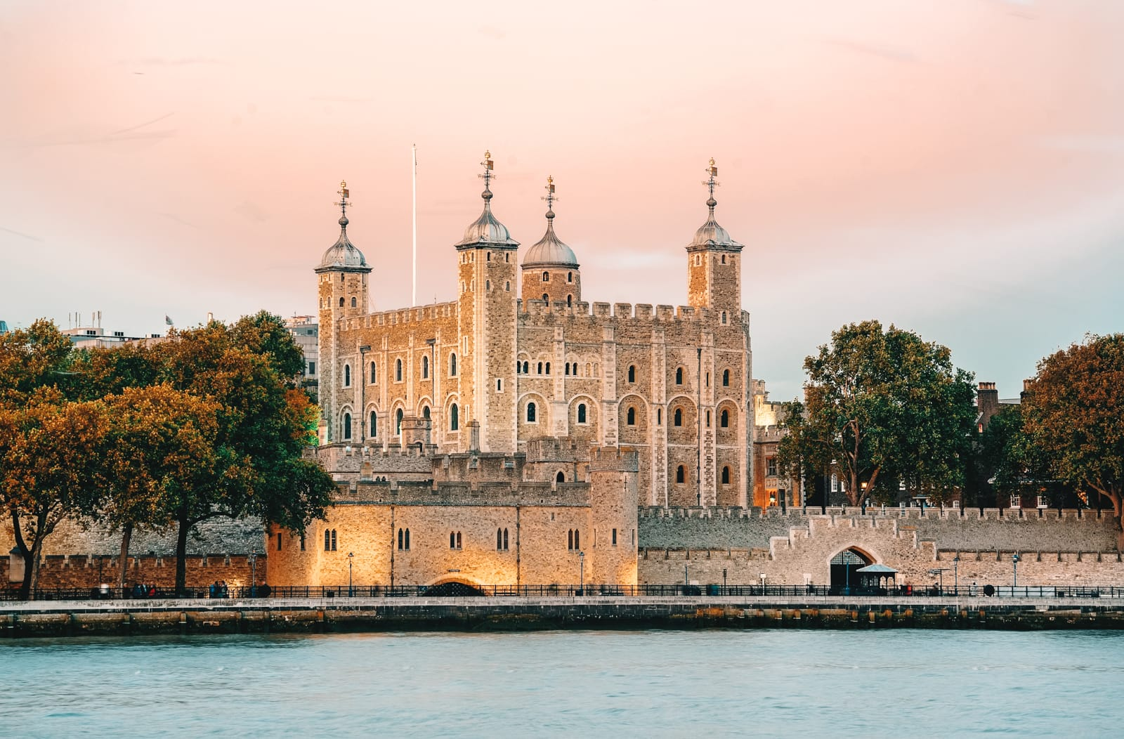10 Beautiful Palaces In London You Have To Visit (17)