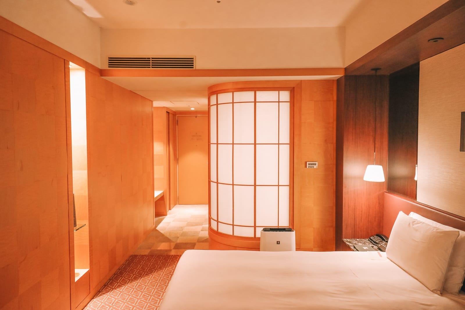 The Aru Ressha Sweet Train, Pretty Little Mamedamachi And A Night In Fukuoka, Japan (55)