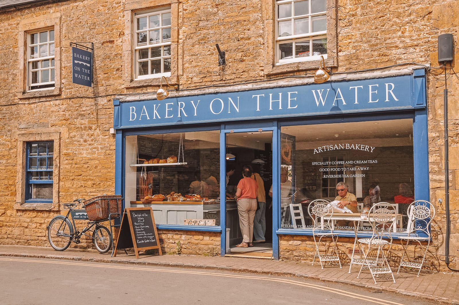 14 Best Places In The Cotswolds You Should Visit (8)
