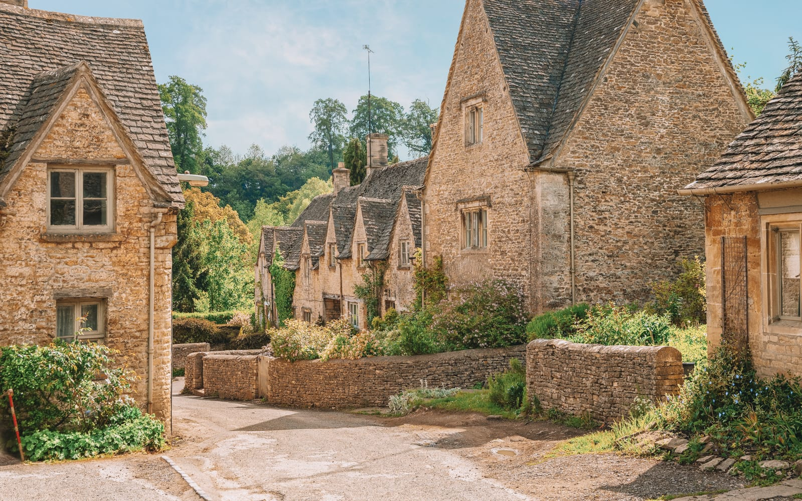 14 Best Places In The Cotswolds You Should Visit (14)