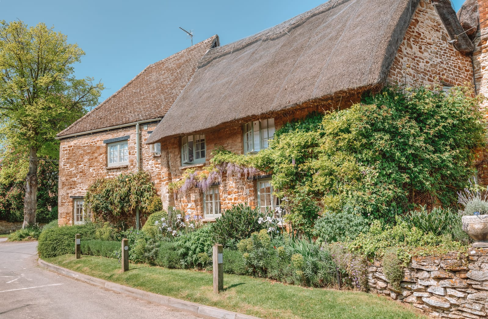 14 Best Places In The Cotswolds You Should Visit (11)