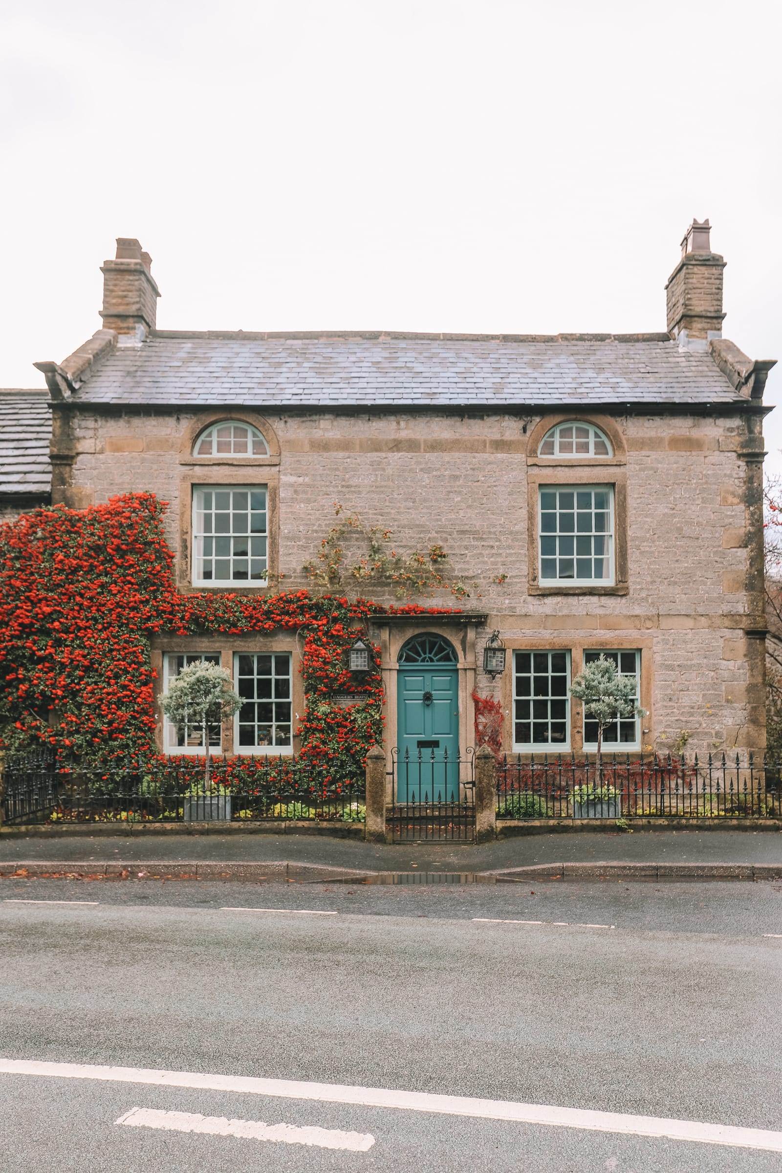 Finding Robin Hood's Bow And Safari Lodging In The Peak District, England (31)