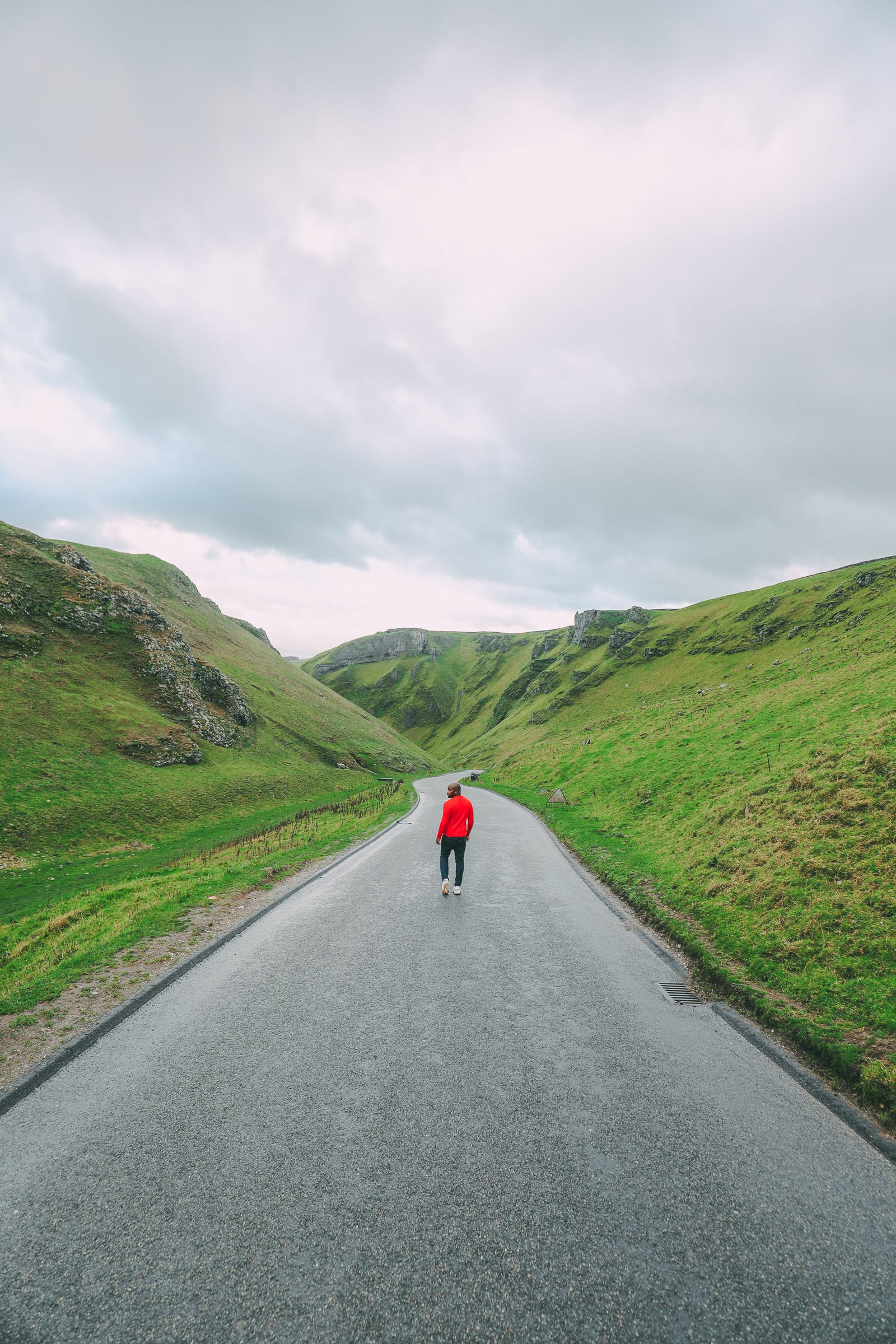 Finding Winnats Pass And An Underground Lake In The Peak District, England (23)