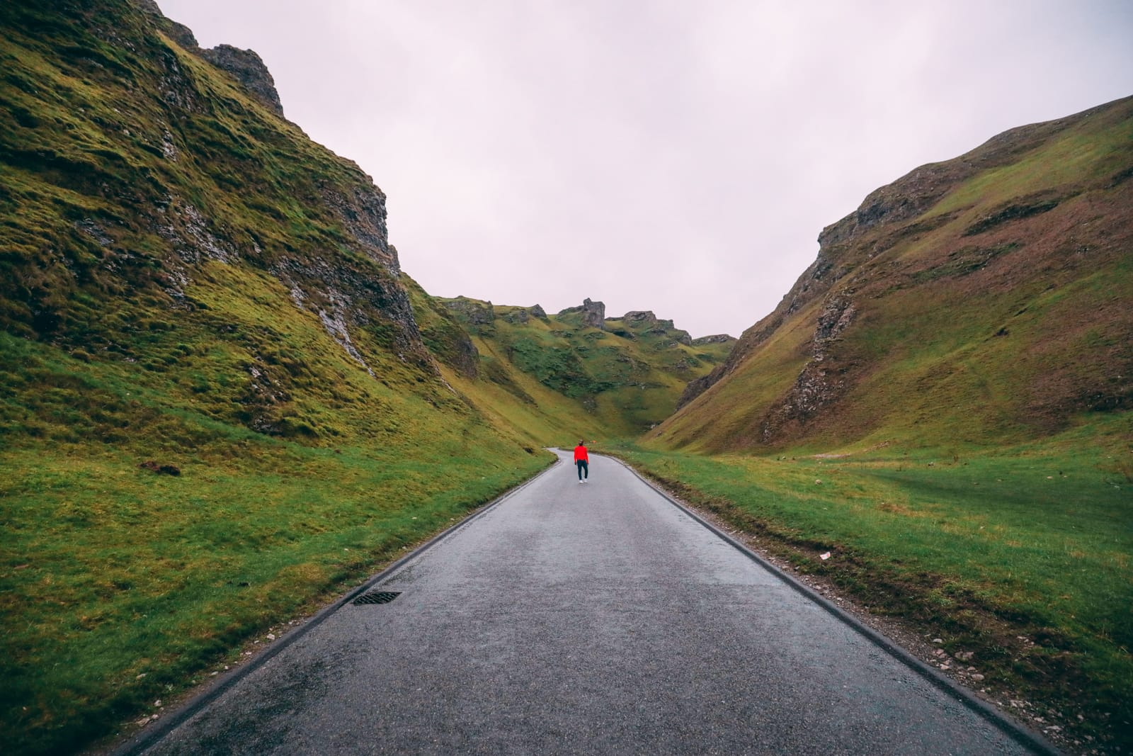 Finding Winnats Pass And An Underground Lake In The Peak District, England (10)