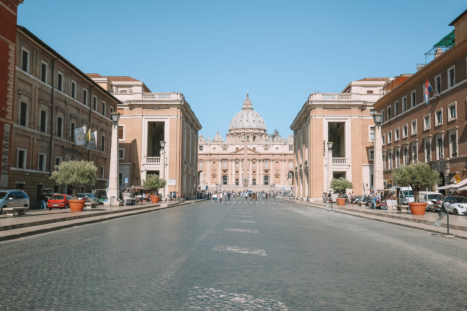 The Magnificent St Peter's Basilica In The Vatican City, Rome (1)