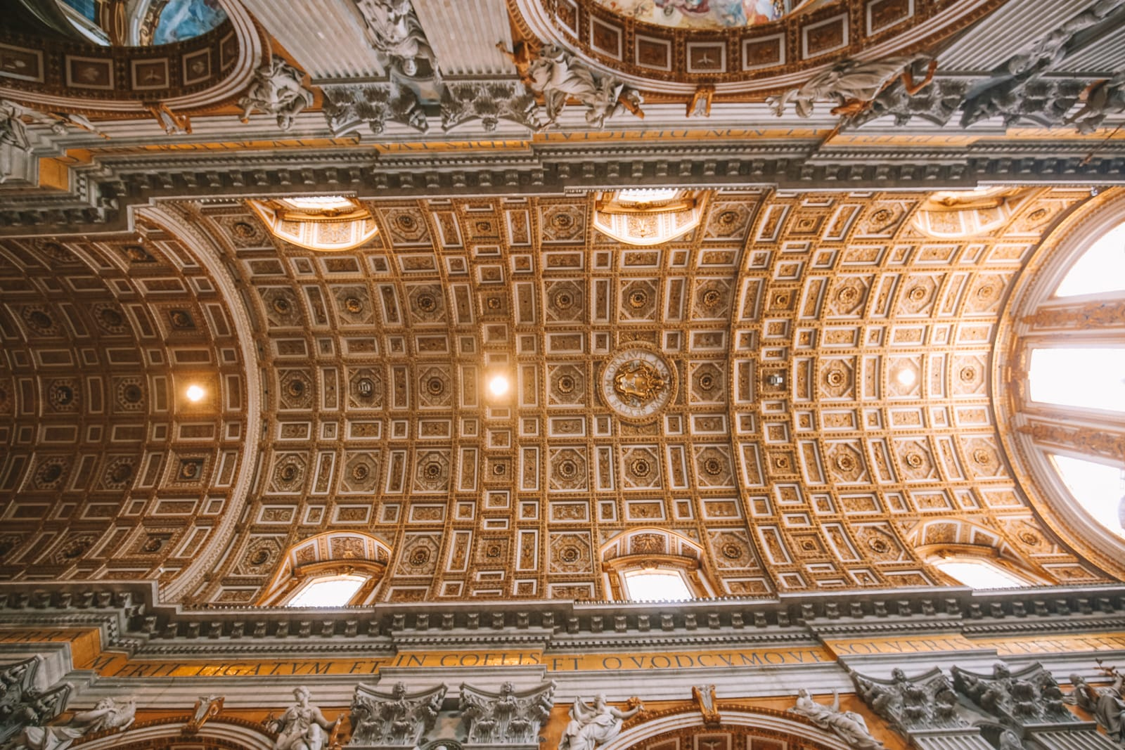 The Magnificent St Peter's Basilica In The Vatican City, Rome (27)