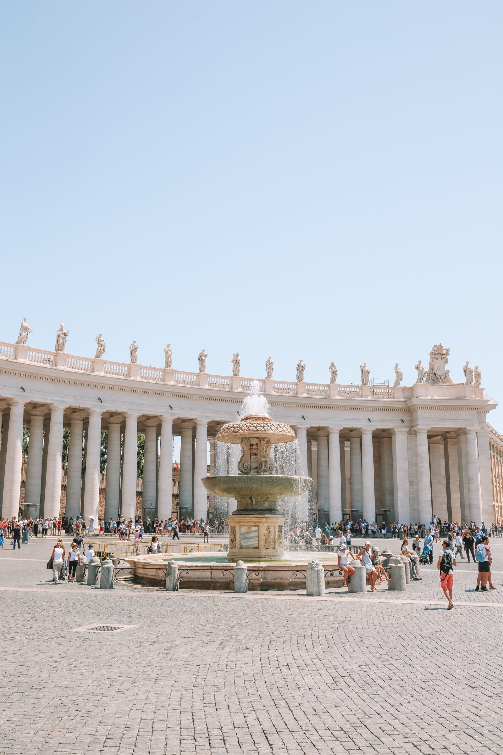 The Magnificent St Peter's Basilica In The Vatican City, Rome (36)
