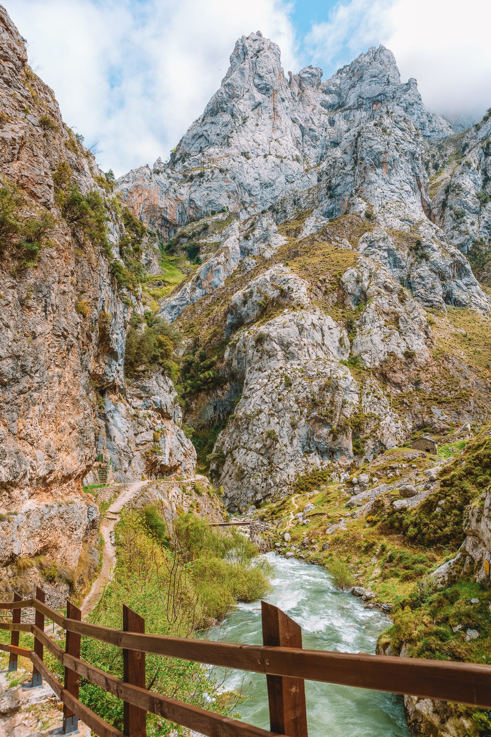 The 12 Best Hikes In Spain You Have To Experience (3)