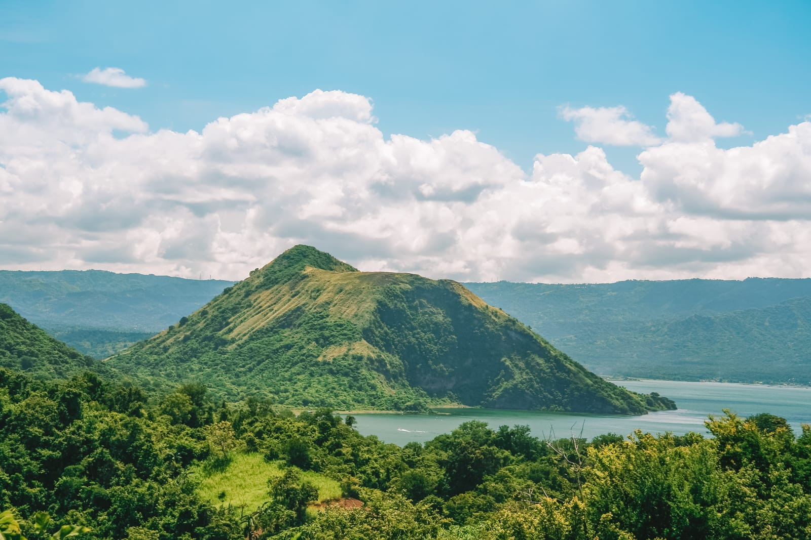 The 12 Best Hikes In The Philippines You Have To Experience (14)