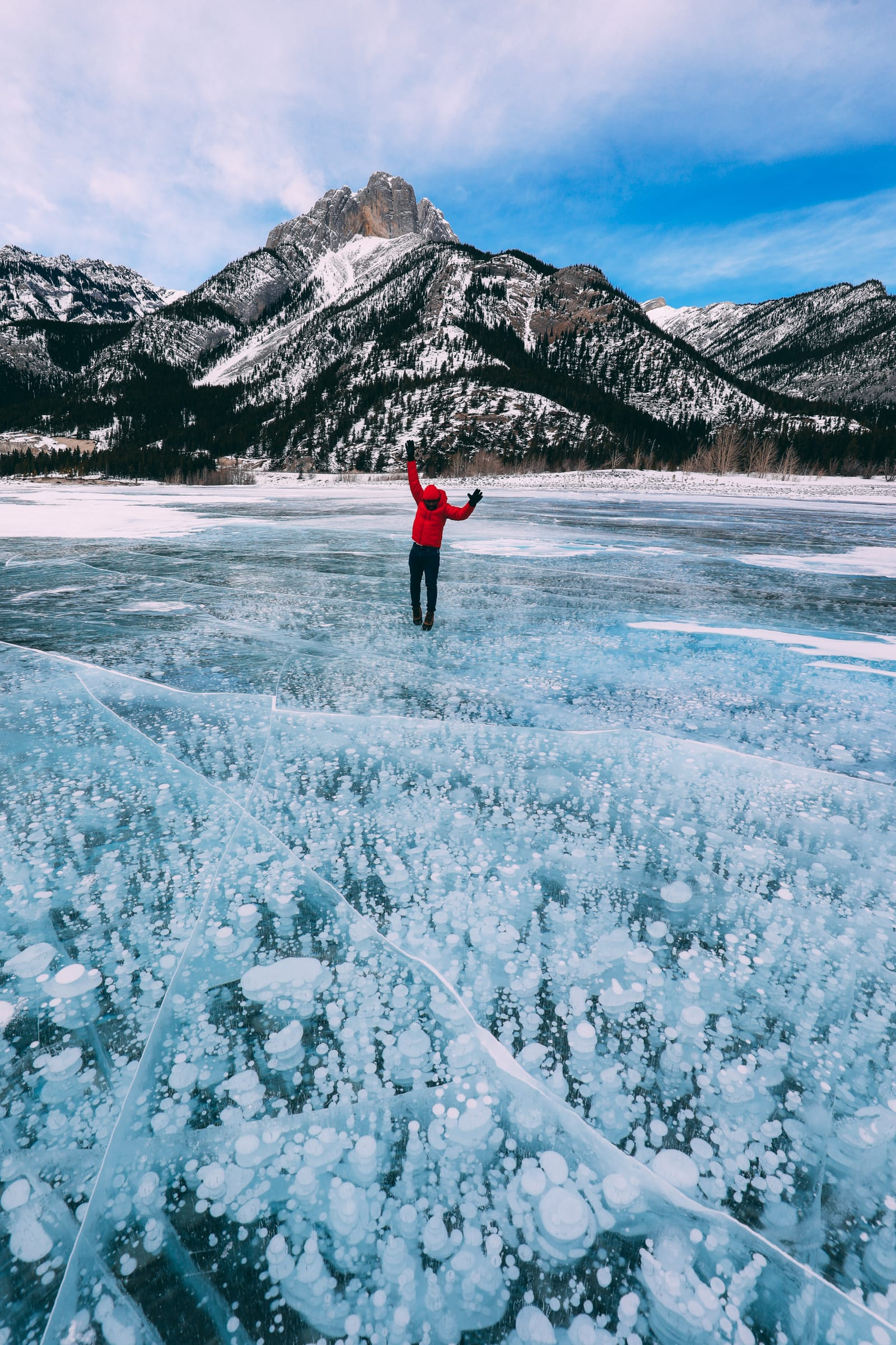 Driving Canada's Epic Icefields Parkway And Finding The Frozen Bubbles Of Abraham Lake (41)