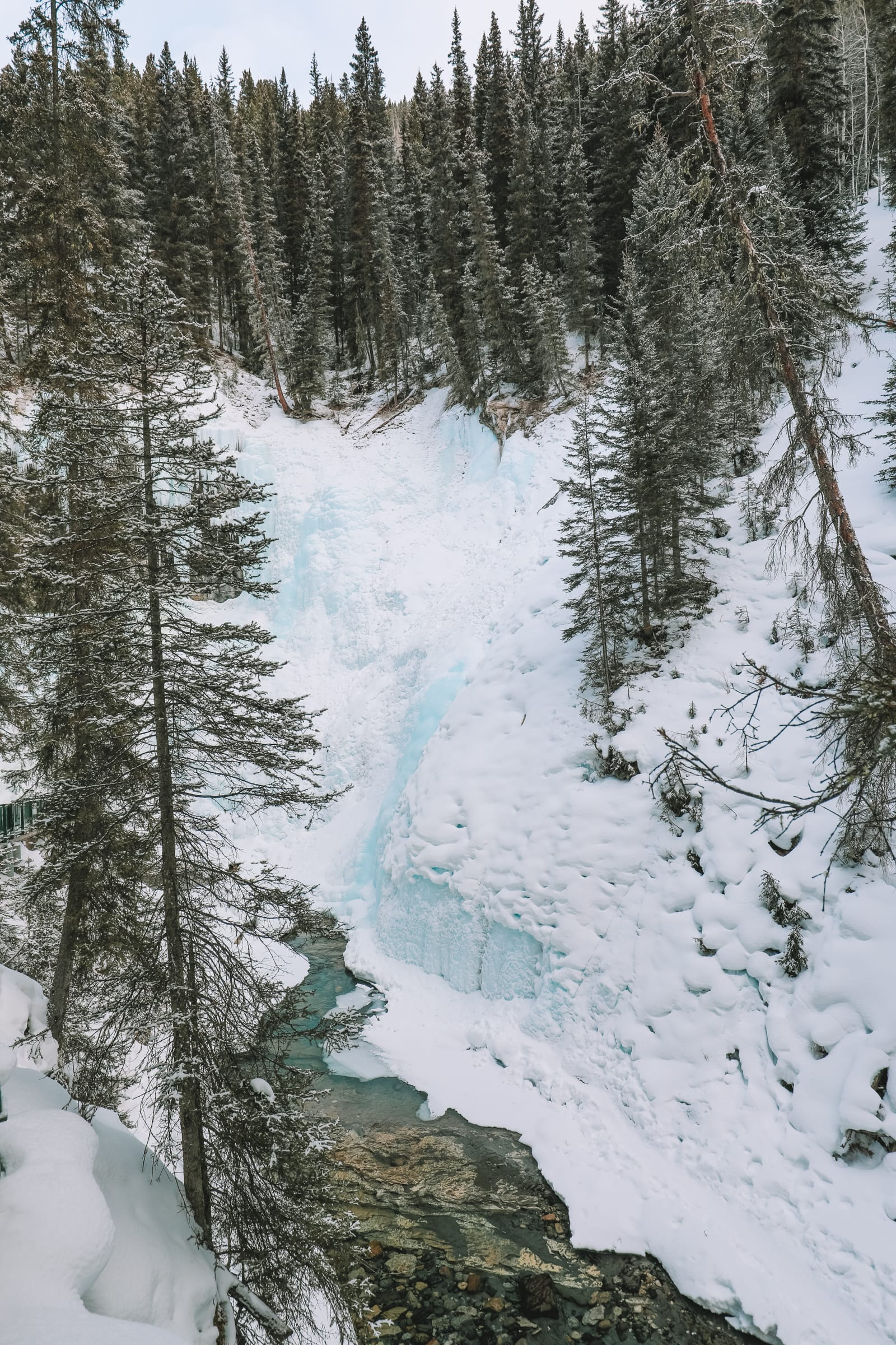 Hiking Johnston Canyon And Seeing The Northern Lights Over Canada (12)