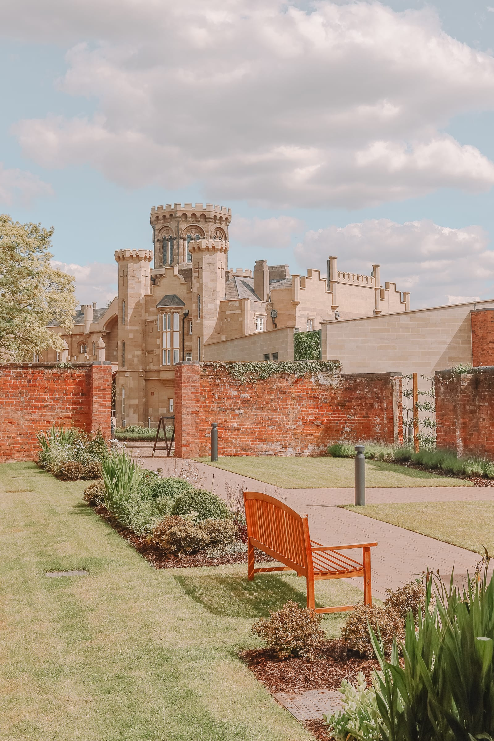How To Have An Incredible Stay In Studley Castle (26)
