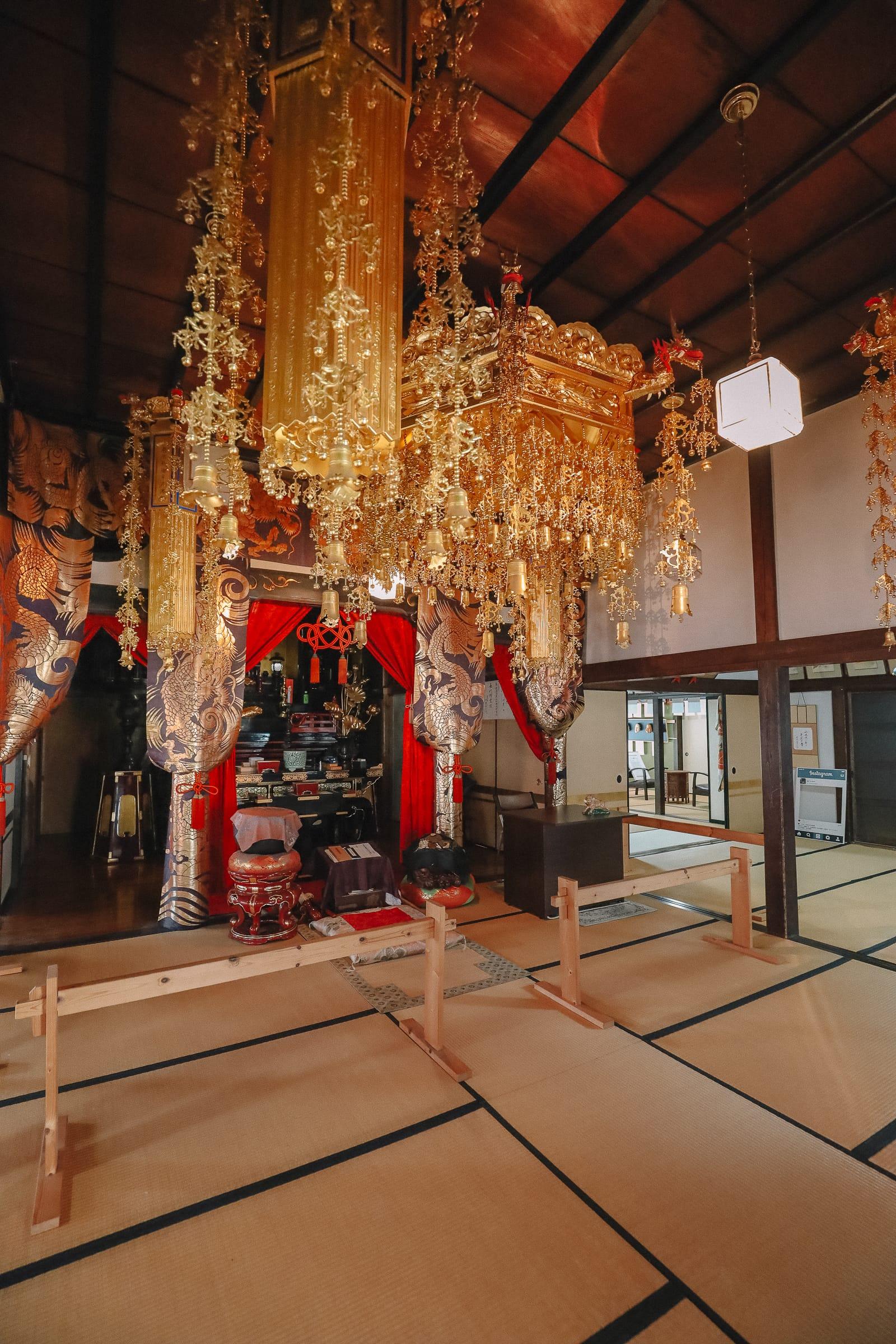 Visiting The Geisha District And Kaiseki Dining In Kanazawa - Japan (10)