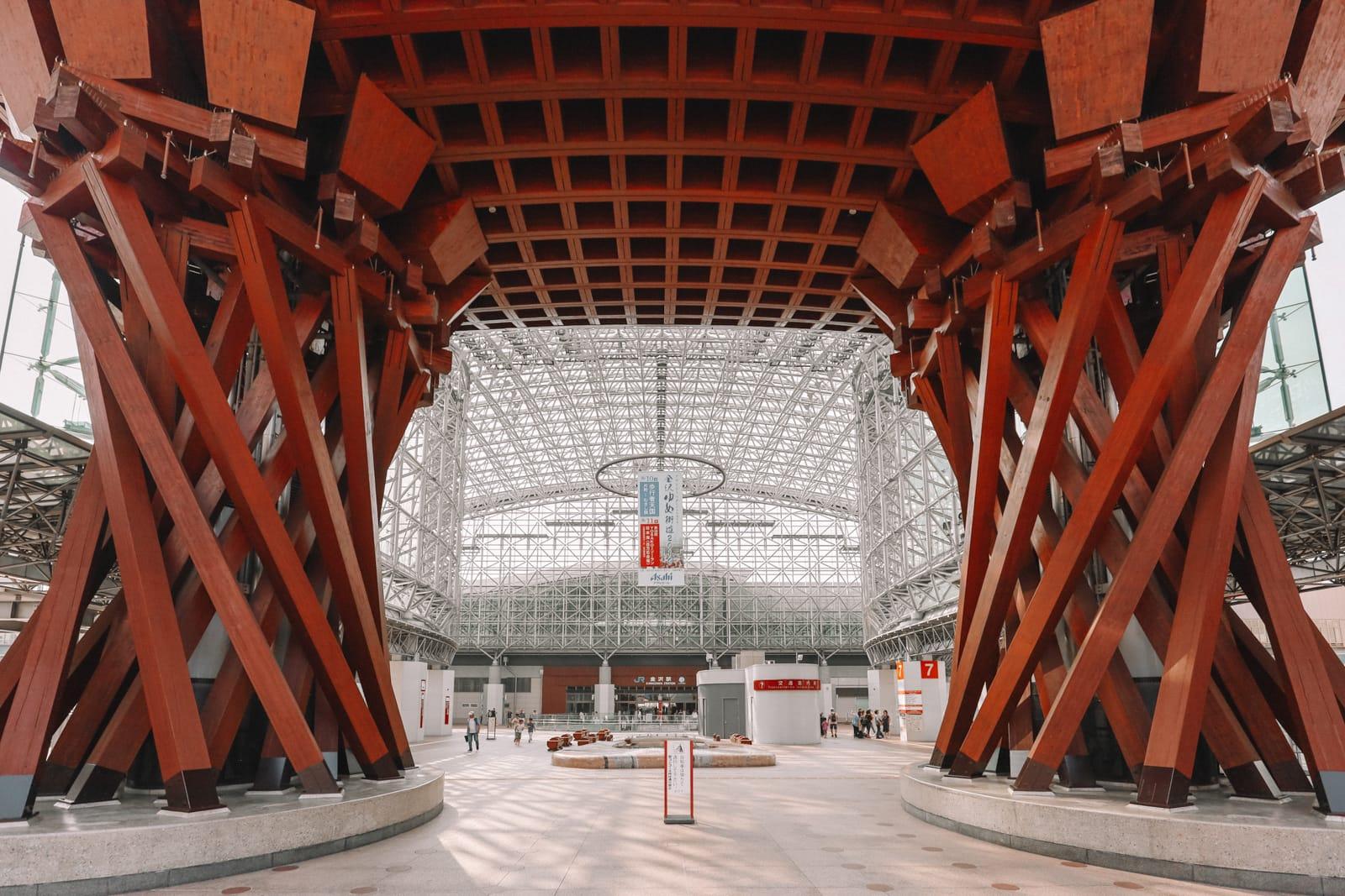 Visiting The Geisha District And Kaiseki Dining In Kanazawa - Japan (2)