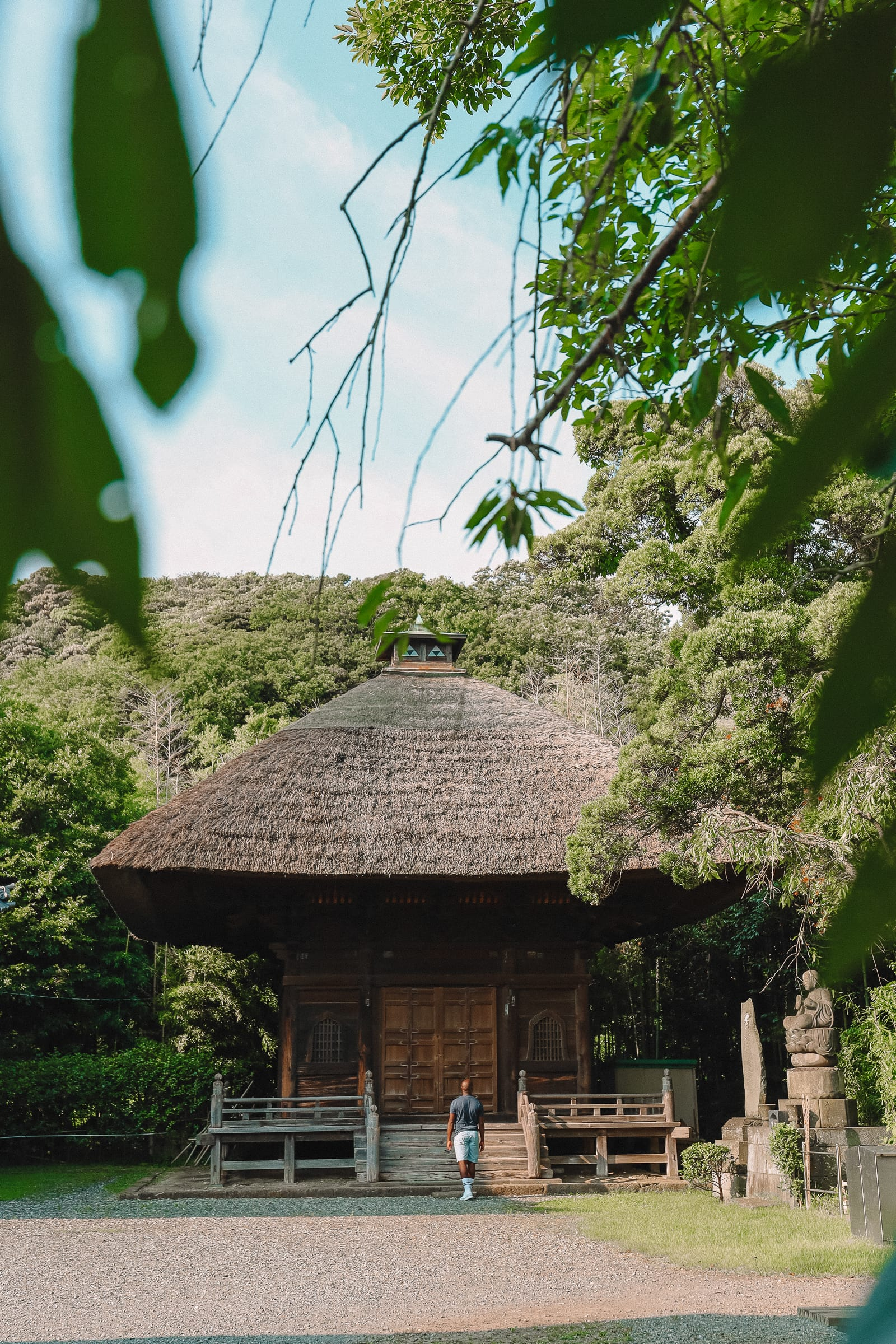 Temple Searching And Traditional Ryokans In Yokohama - Japan (9)