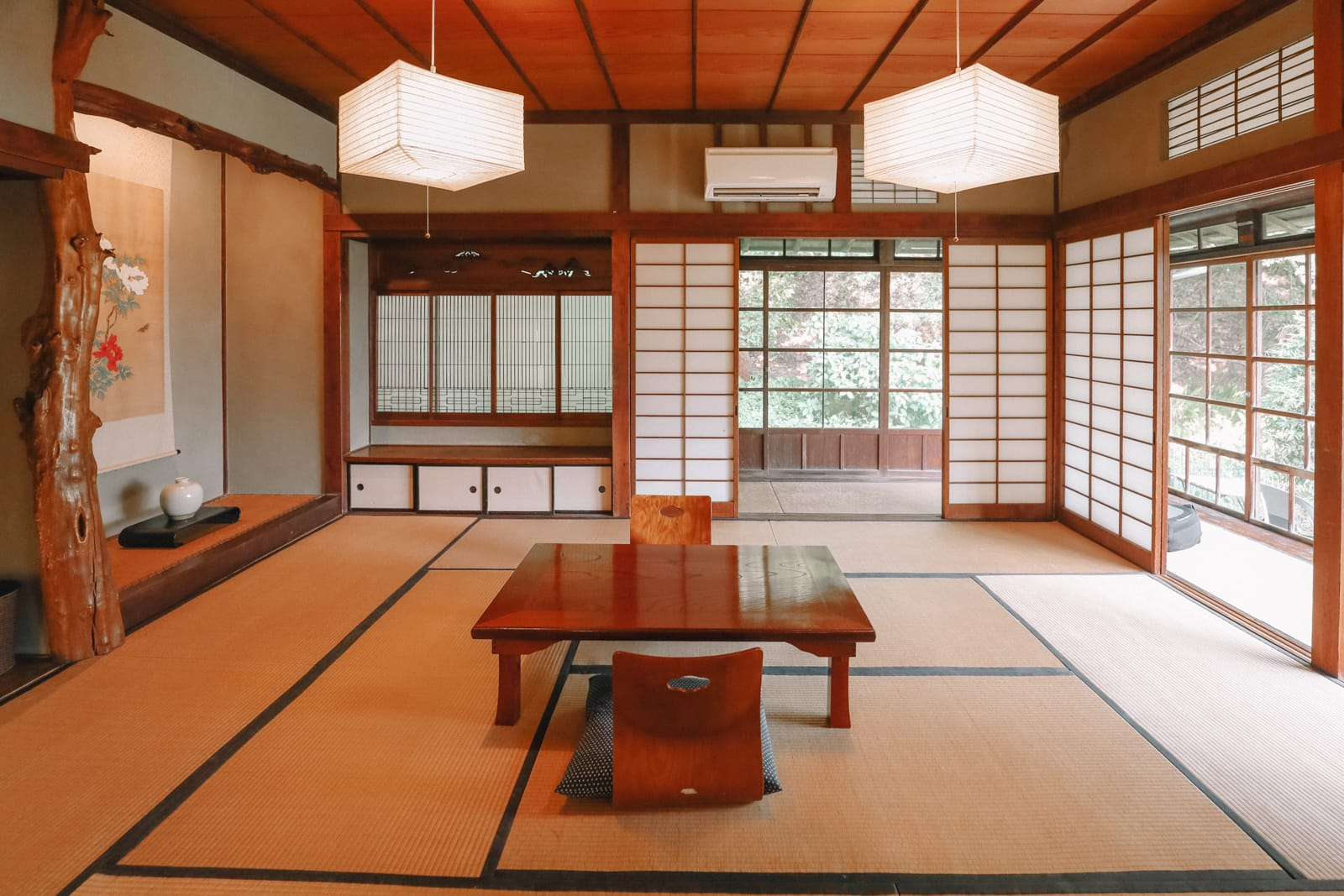 Temple Searching And Traditional Ryokans In Yokohama - Japan (2)