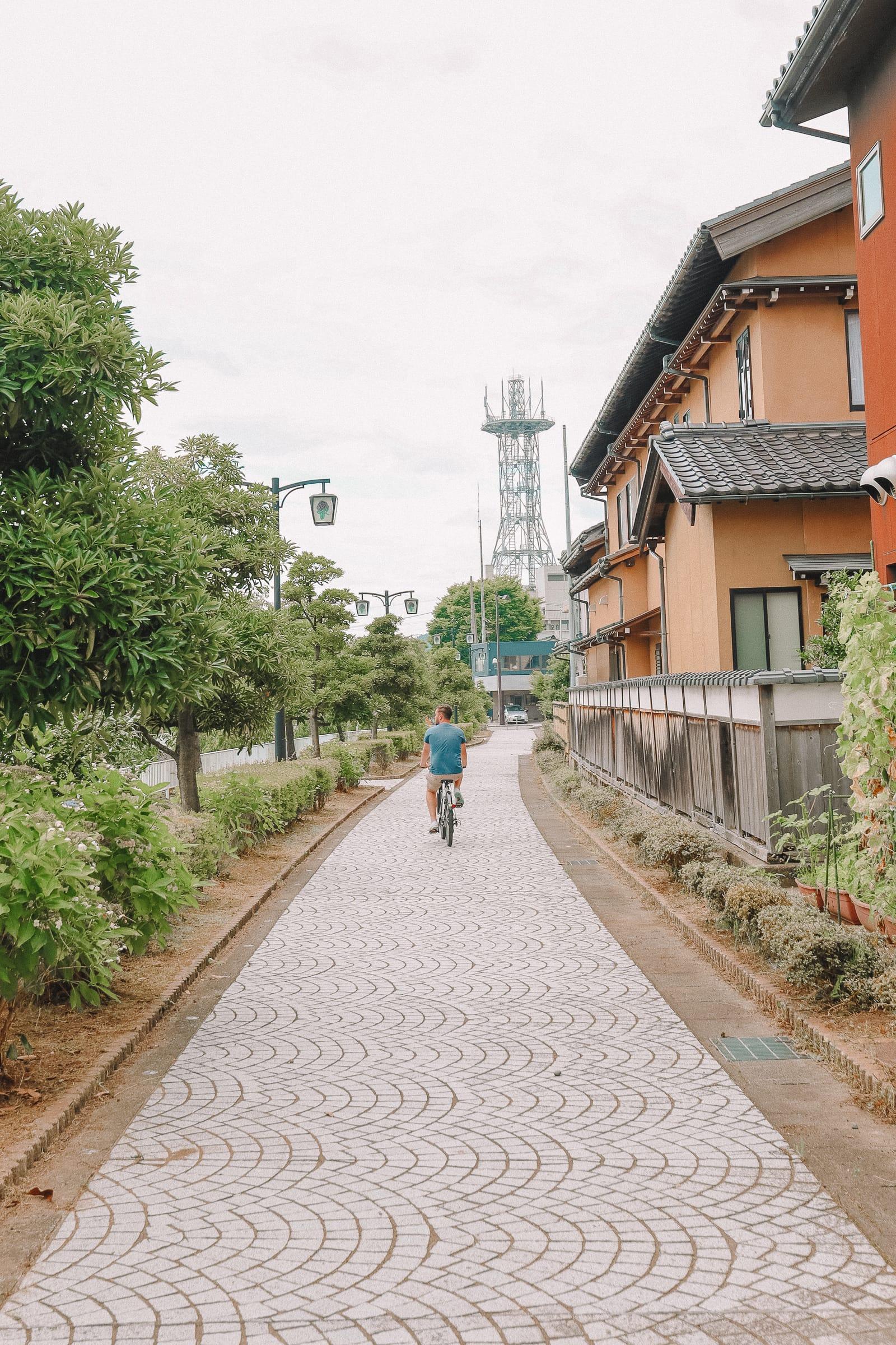 Finding The Samurai District Of Kanazawa and Hakusan City - Japan (41)