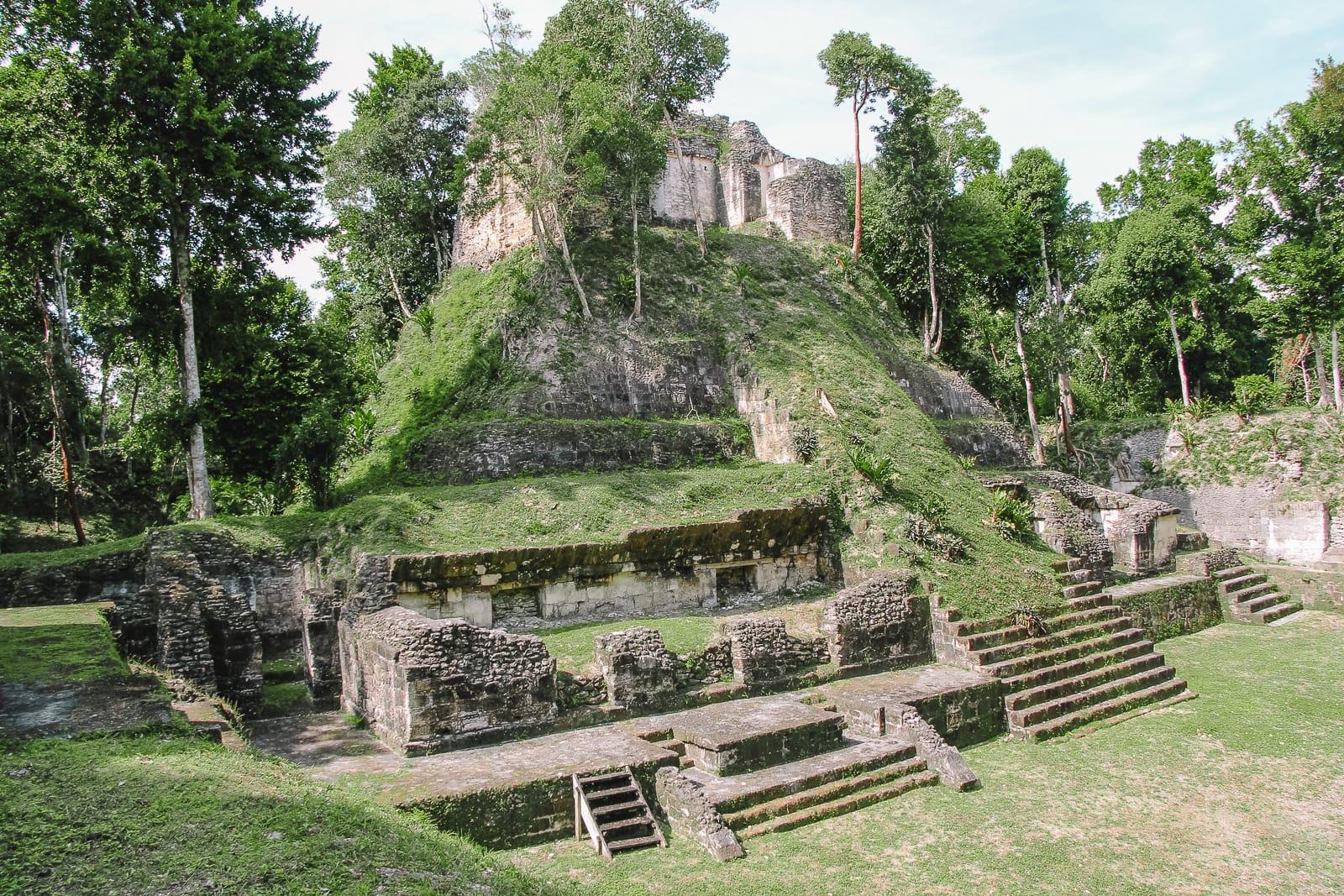 Guatemala Travel: 13 Amazing Mayan Ruins You HAVE To Visit! (5)