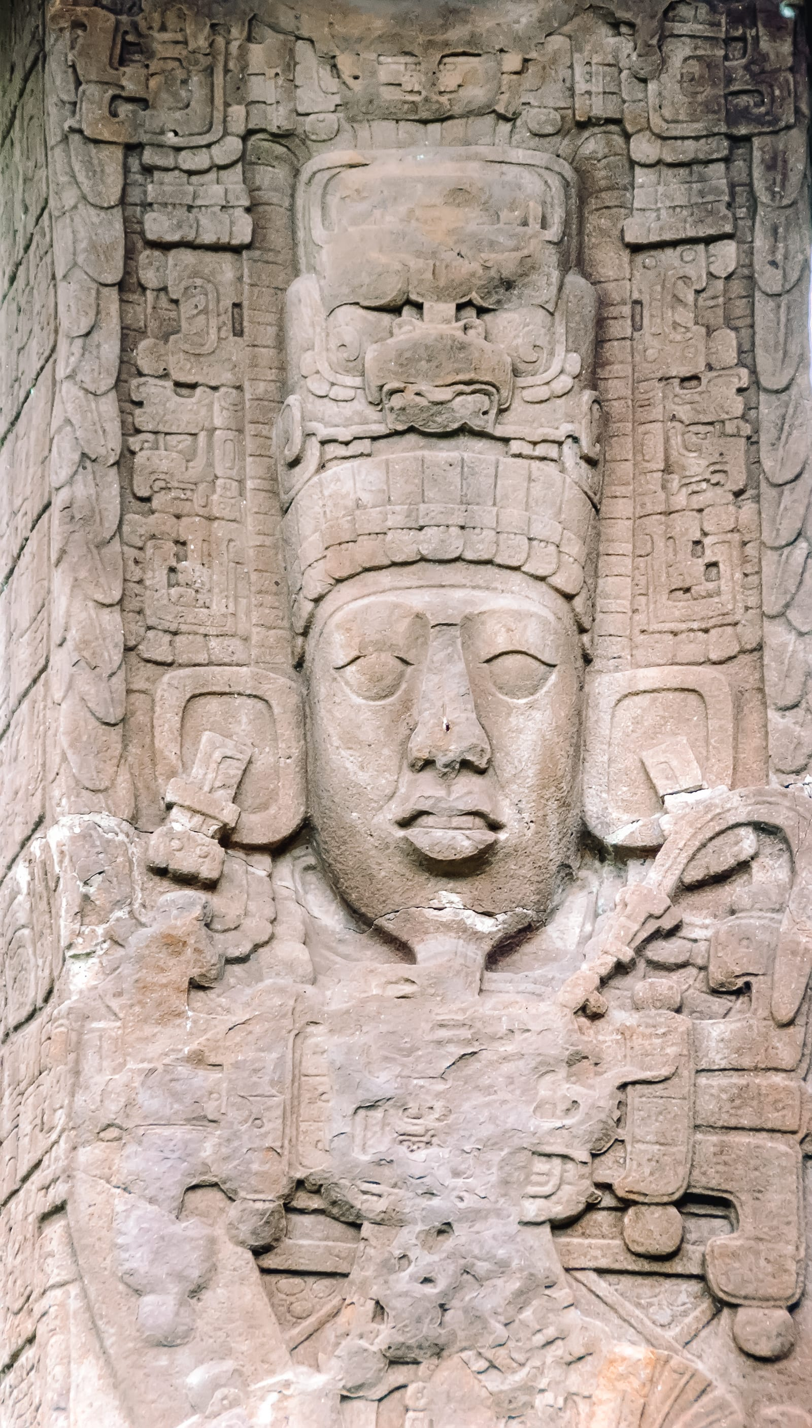 Guatemala Travel: 13 Amazing Mayan Ruins You HAVE To Visit! (7)