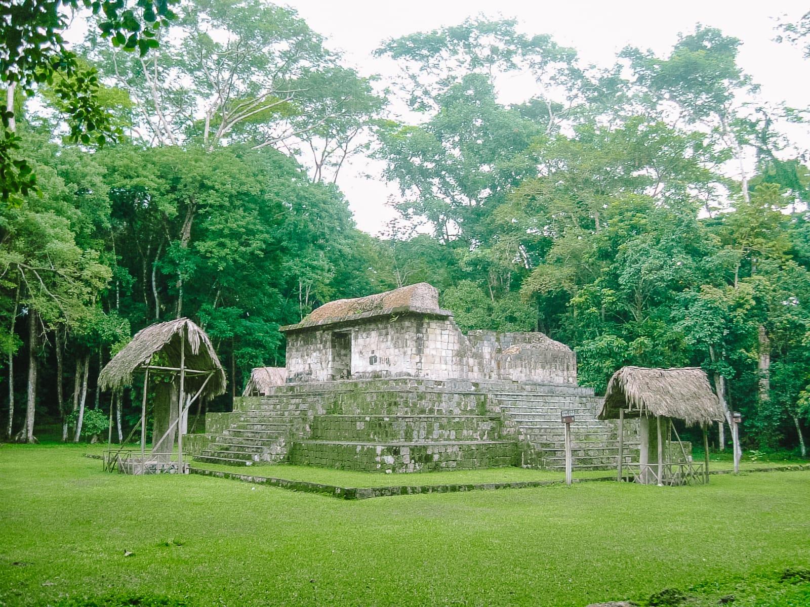 Guatemala Travel: 13 Amazing Mayan Ruins You HAVE To Visit! (9)