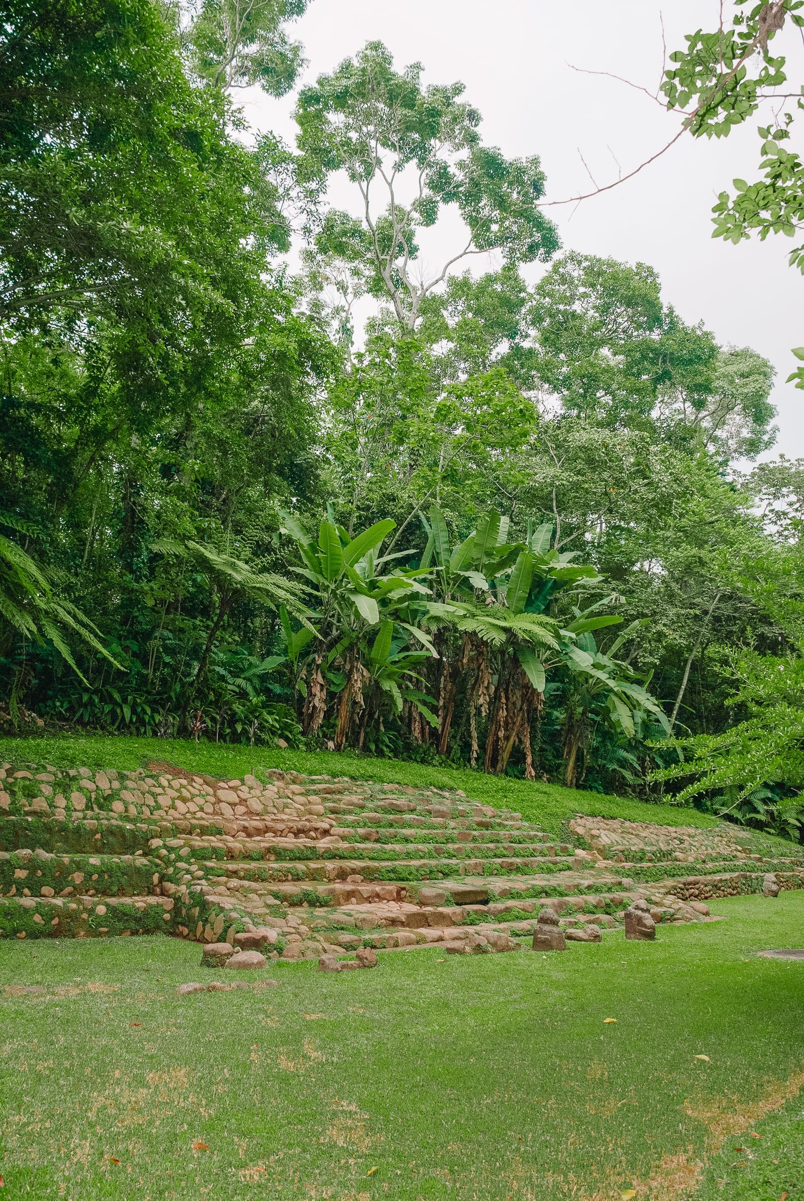 Guatemala Travel: 13 Amazing Mayan Ruins You HAVE To Visit! (10)