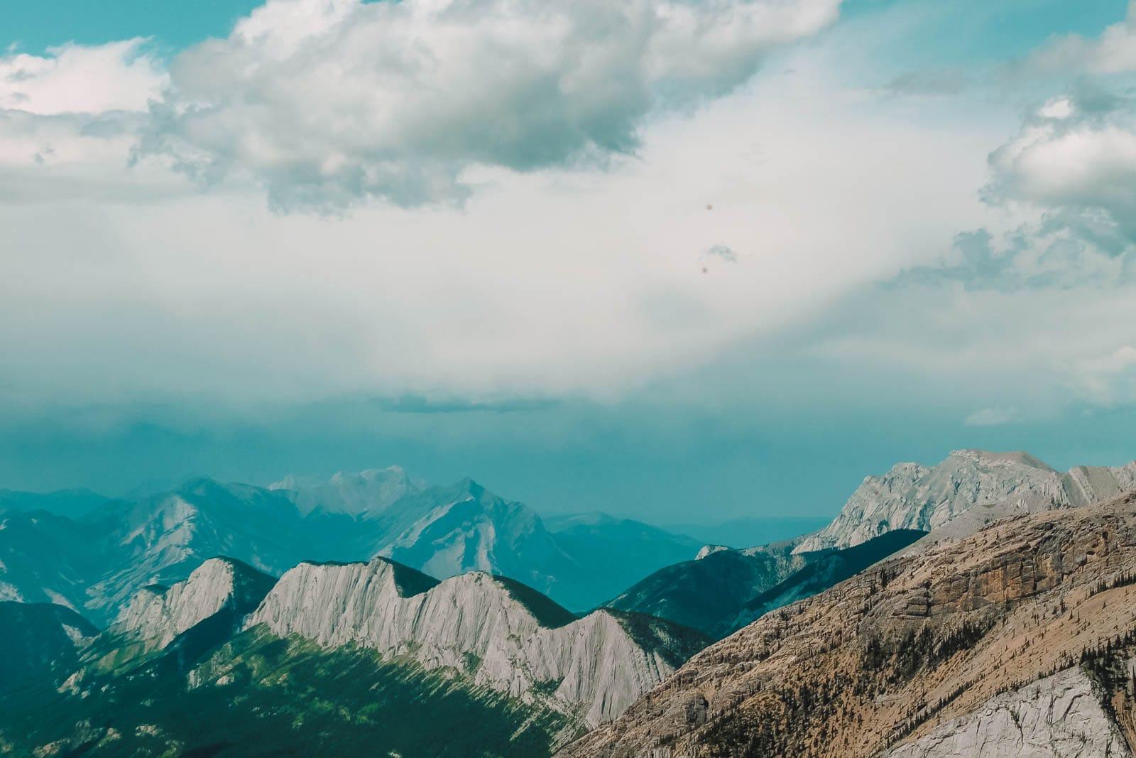 11 Best Hikes In Alberta (5)