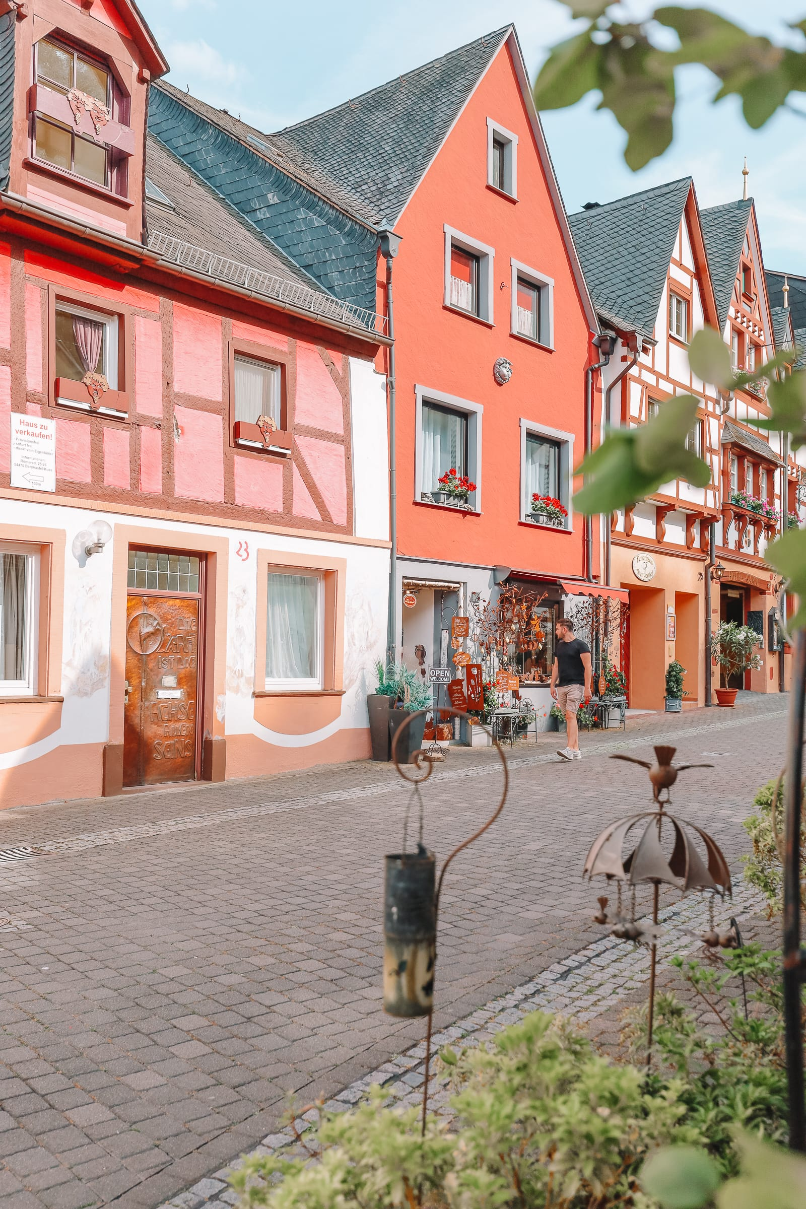 The Incredible Moselle Loop And Beautiful Town Of Bernkastel Kues In Germany (30)