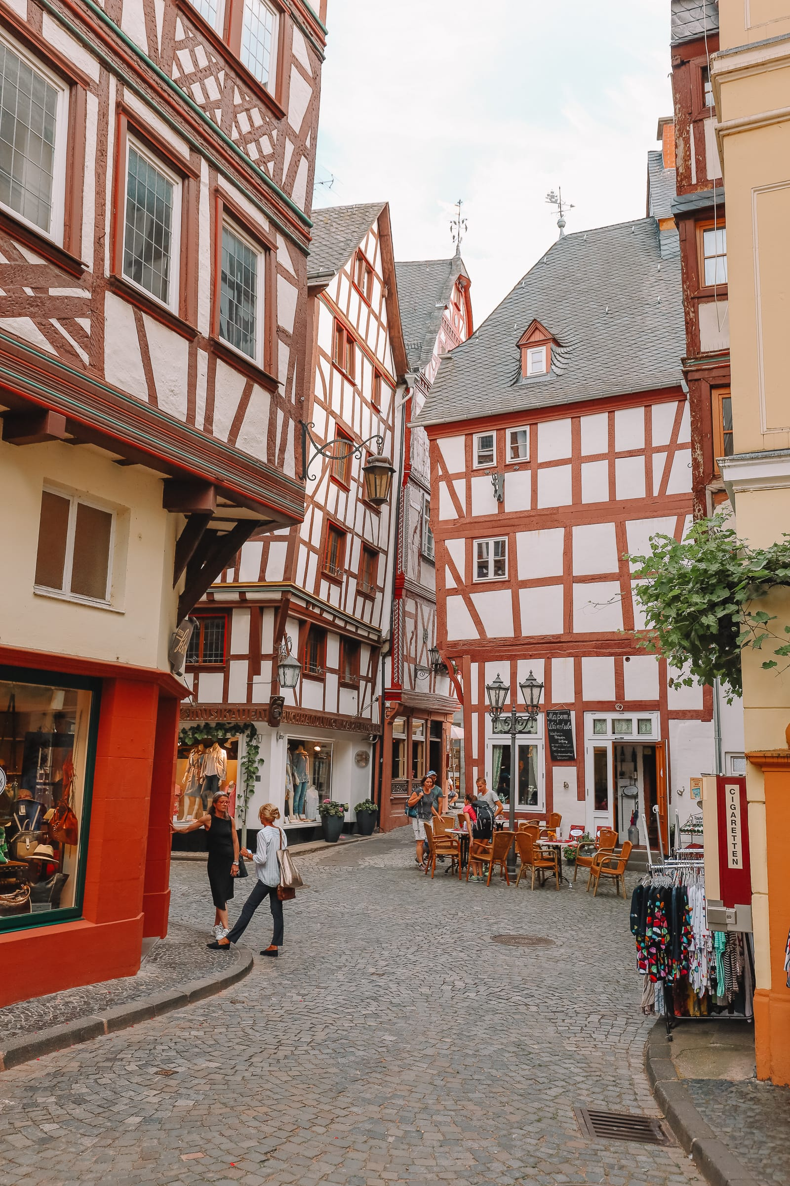 The Incredible Moselle Loop And Beautiful Town Of Bernkastel Kues In Germany (40)